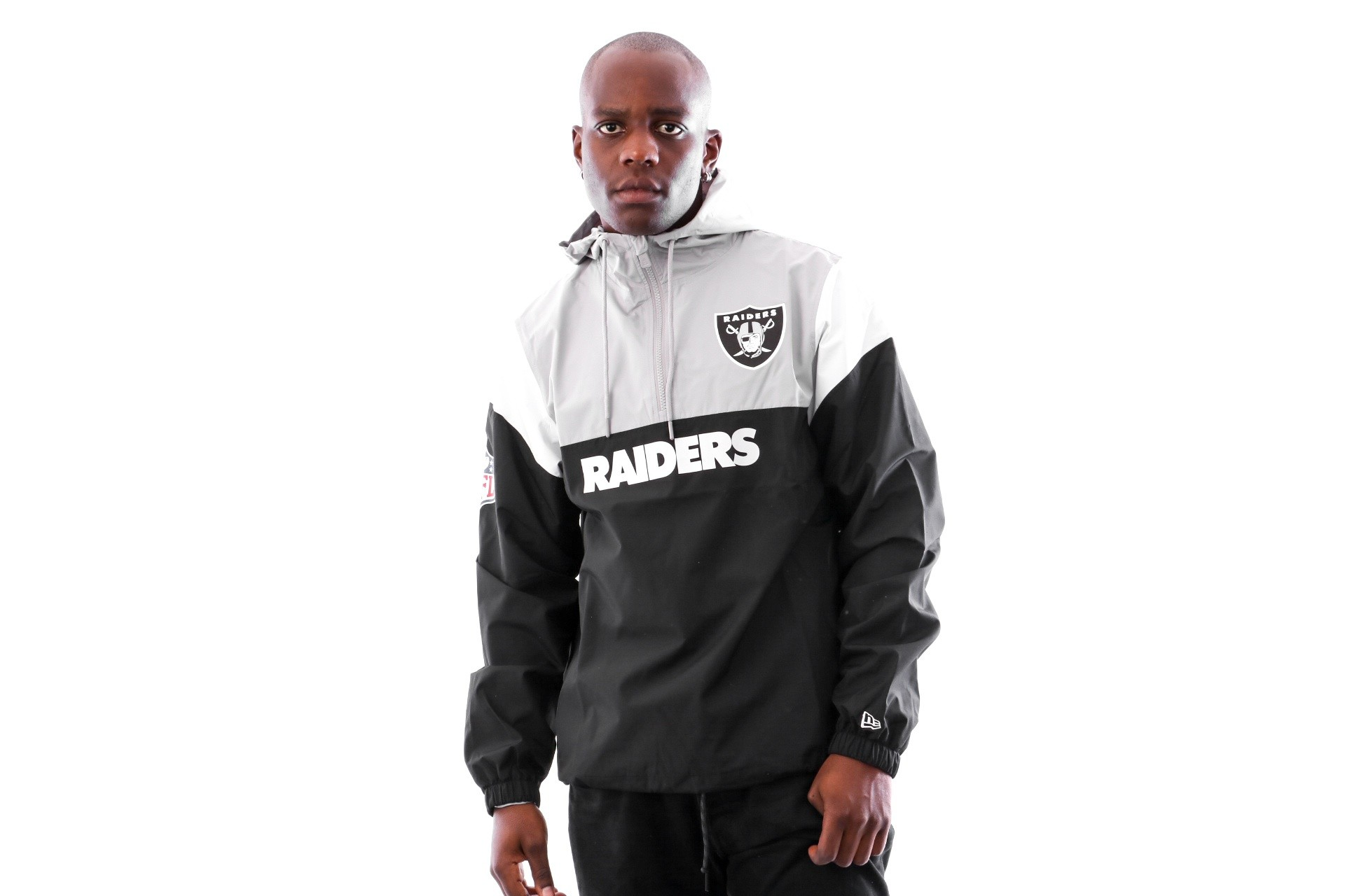 Foto van New Era COLOUR BLOCK WINDBREAKER OAKRAI BLK 11841056 jas BLACK OAKLAND RAIDERS