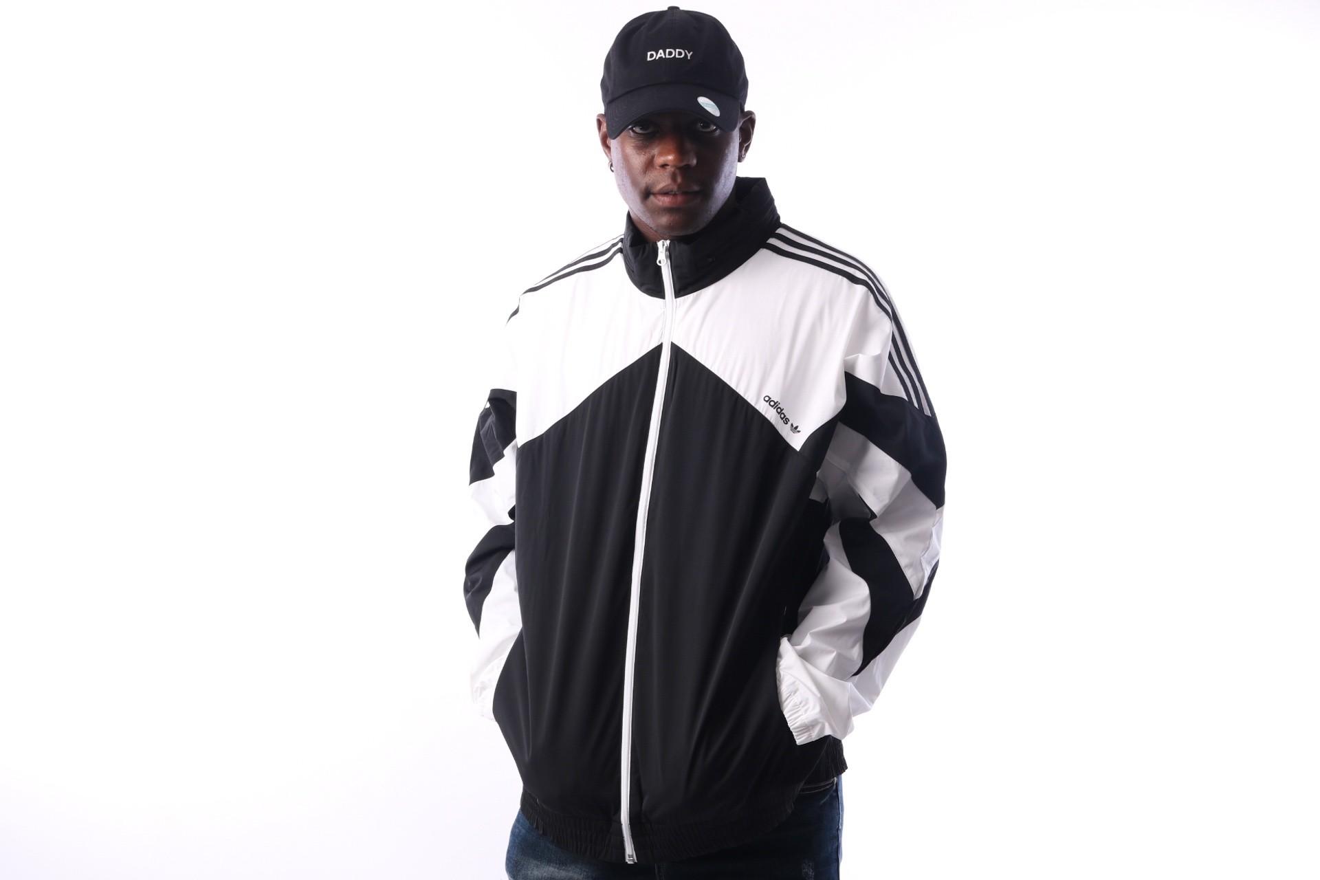 Foto van Adidas Palmeston Windbreaker DJ3450 jas BLACK/WHITE