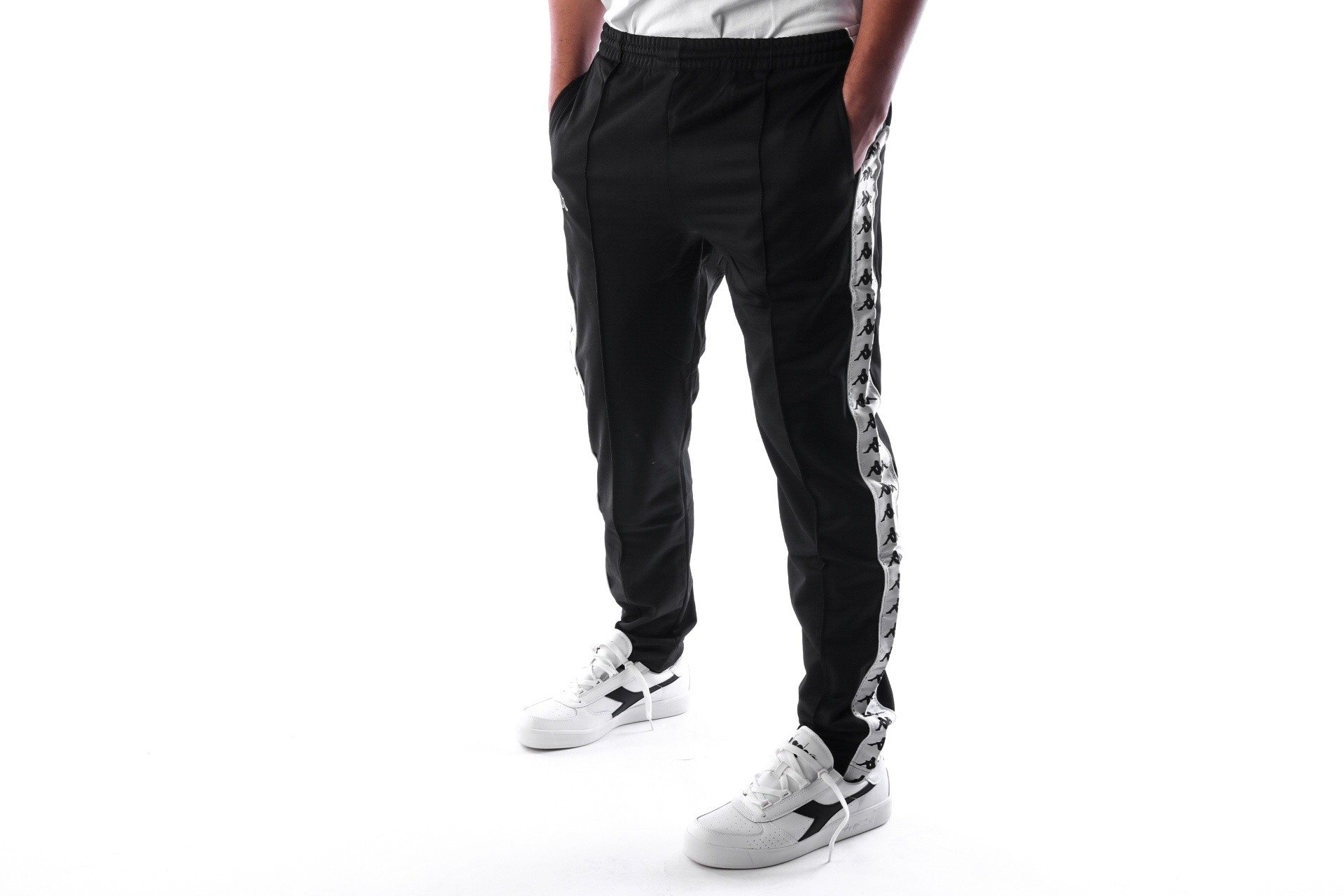 Foto van Kappa BANDA ASTORIA SLIM 301EFS0 Trainingsbroek Black/White