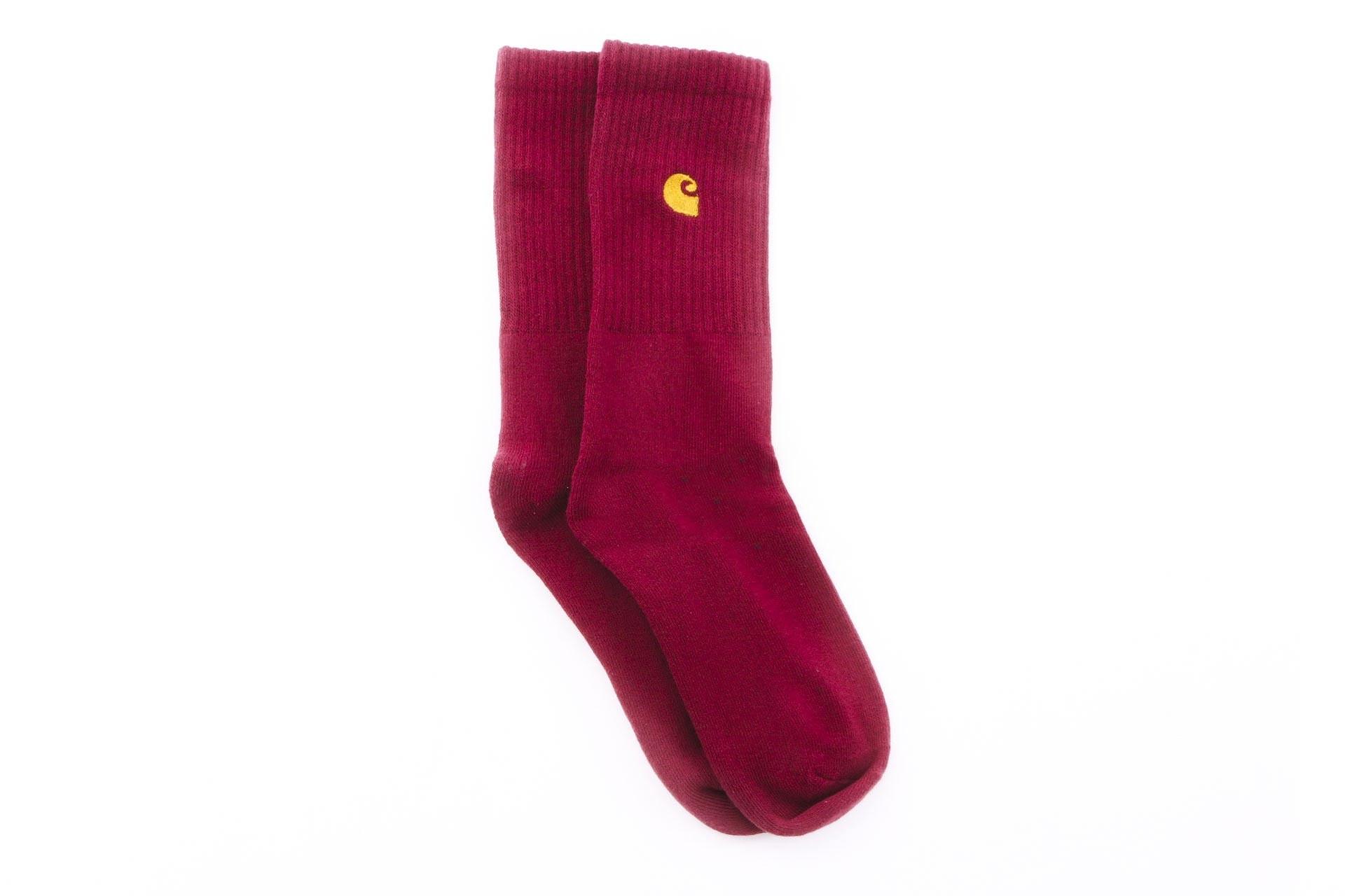 Foto van Carhartt WIP Chase Socks I026527 Sokken Mulberry / Gold