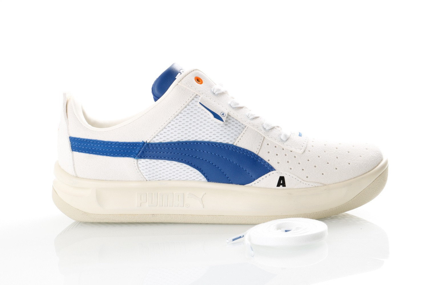 Foto van Puma CALIFORNIA ADER ERROR 369534 Sneakers Whisper White-Surf The Web