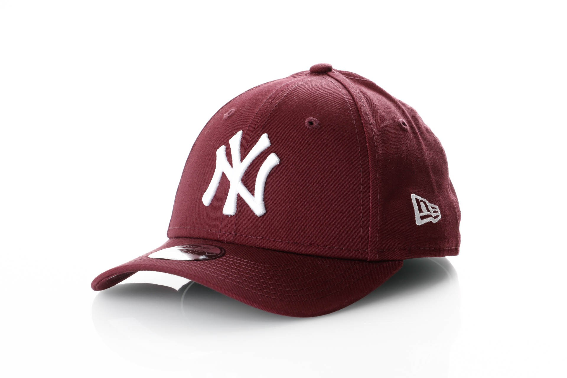 Foto van New Era Kids League Essential 9Forty 11871490 Dad Cap Maroon/Optic White Mlb New York Yankees
