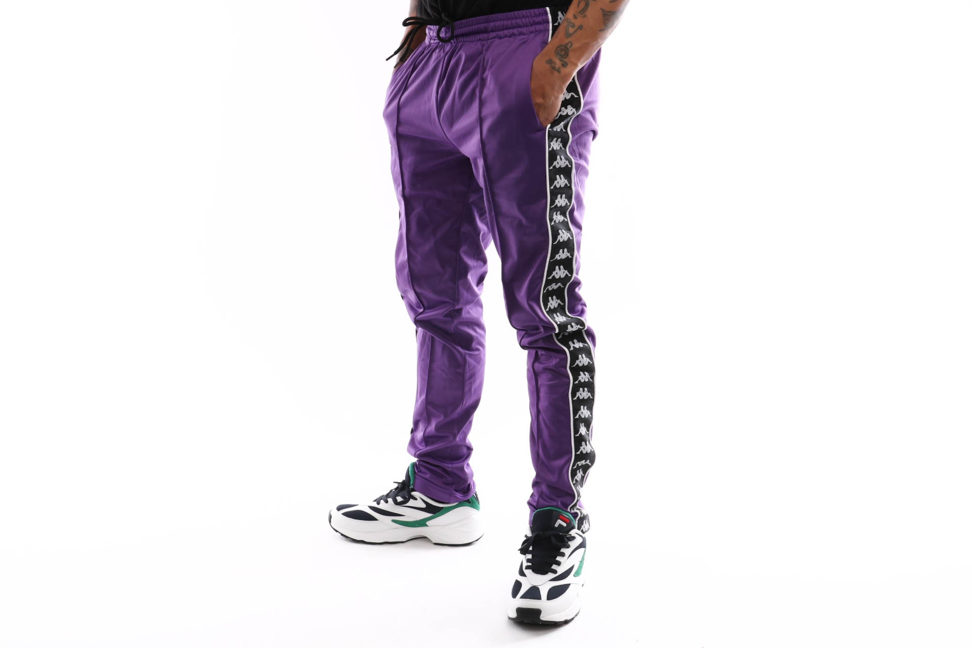 Foto van Kappa 222 Banda Astoria Slim 301Efs0-C65 Trainingsbroek Violet-Black-White