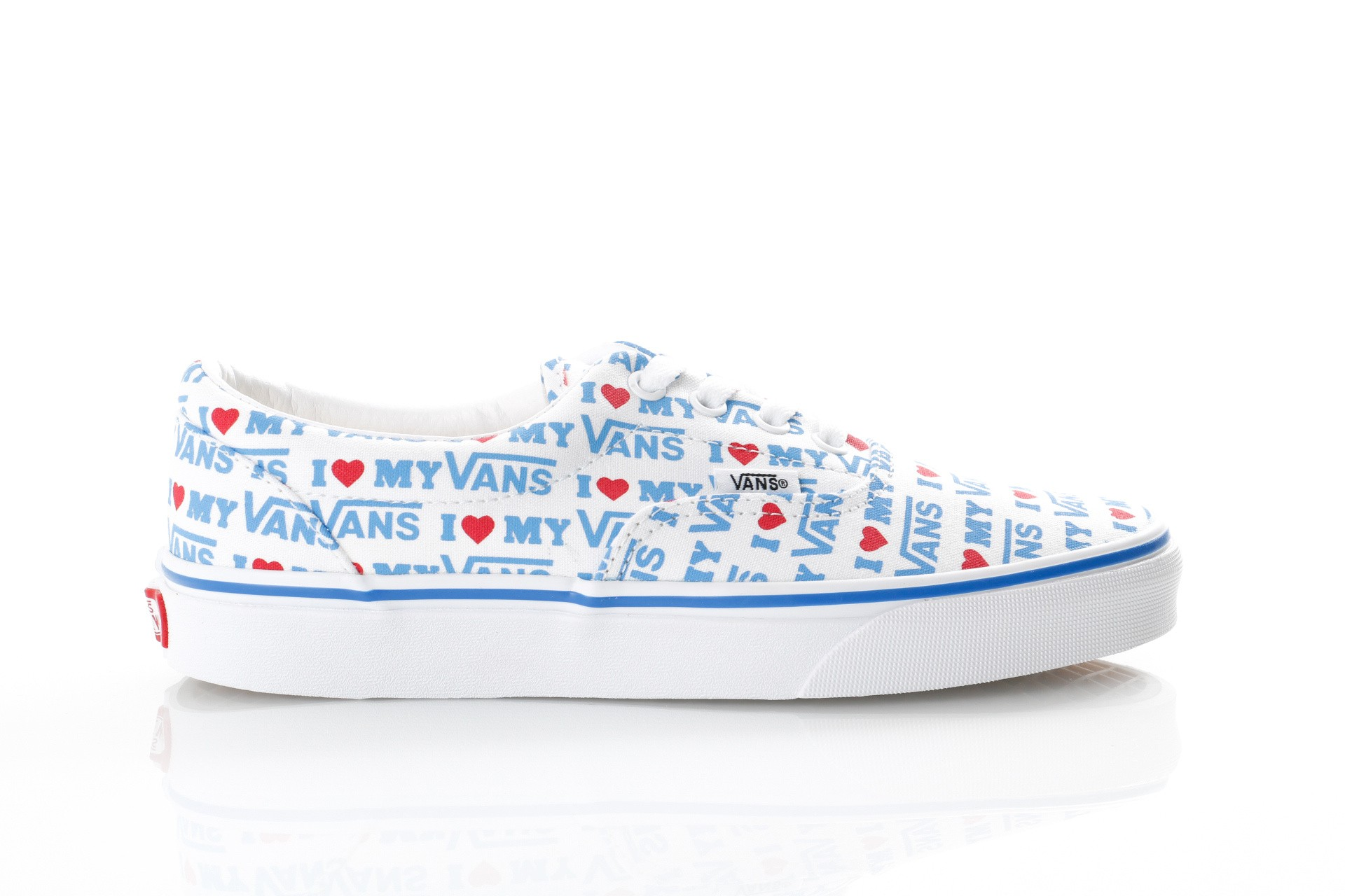 Foto van Vans UA Era VN0A38FRVP5 Sneakers (I Heart Vans) true white/true white