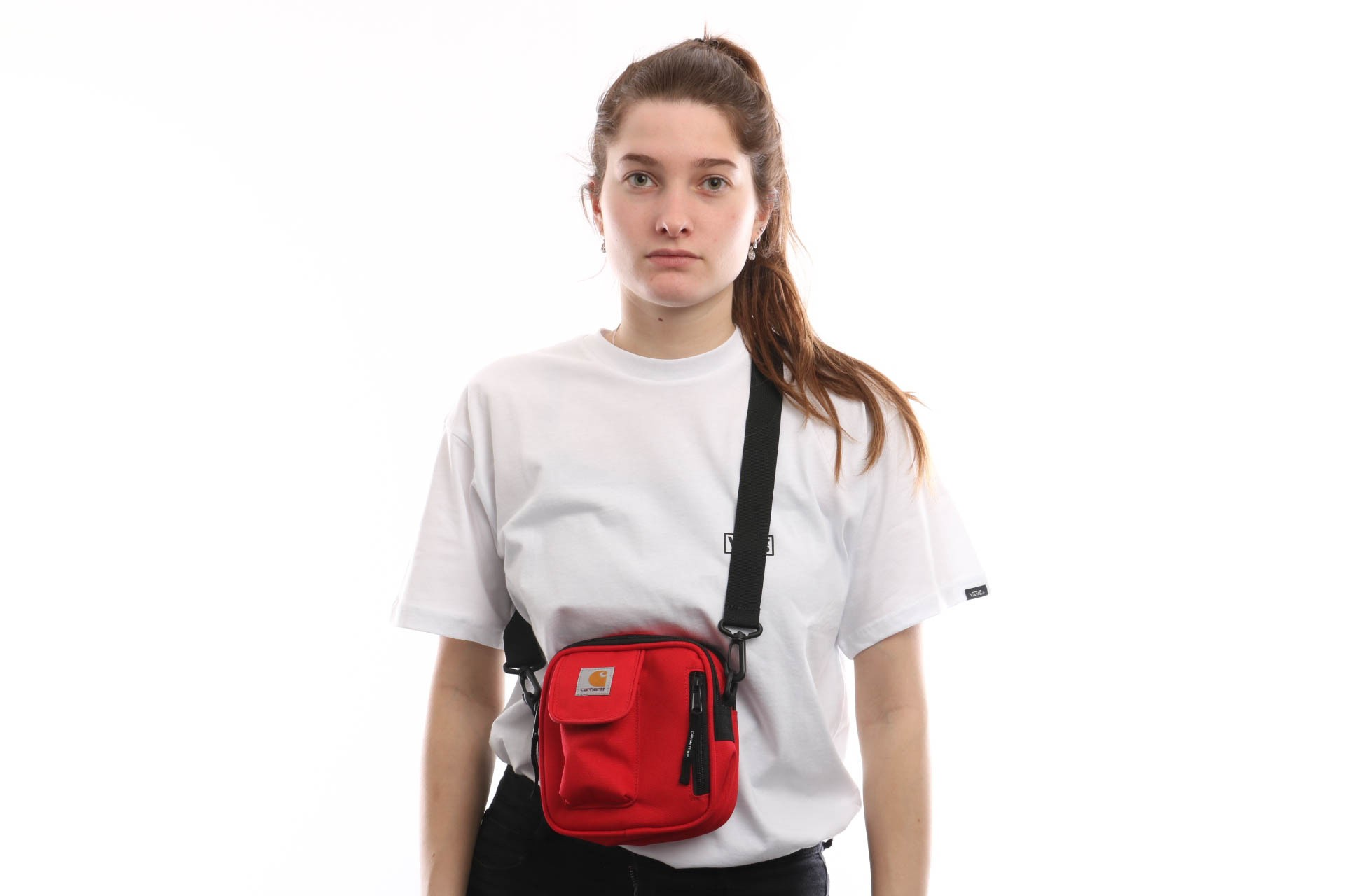 Foto van Carhartt Wip Essentials Bag I006285 Schoudertas Cardinal