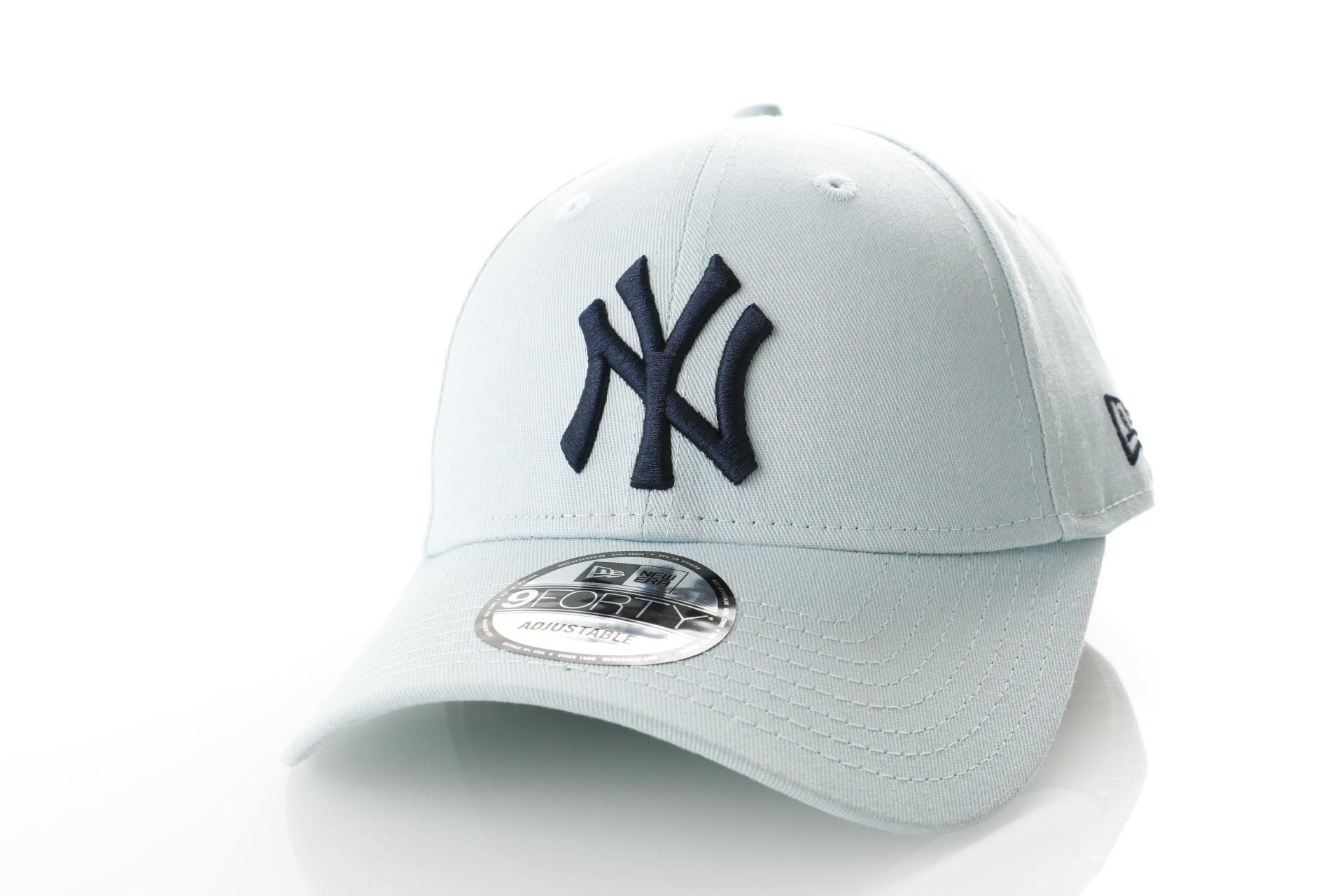 Foto van New Era 9Forty XBLNVY NEW YORK YANKEES 11841188 dad cap Light Blue/black MLB