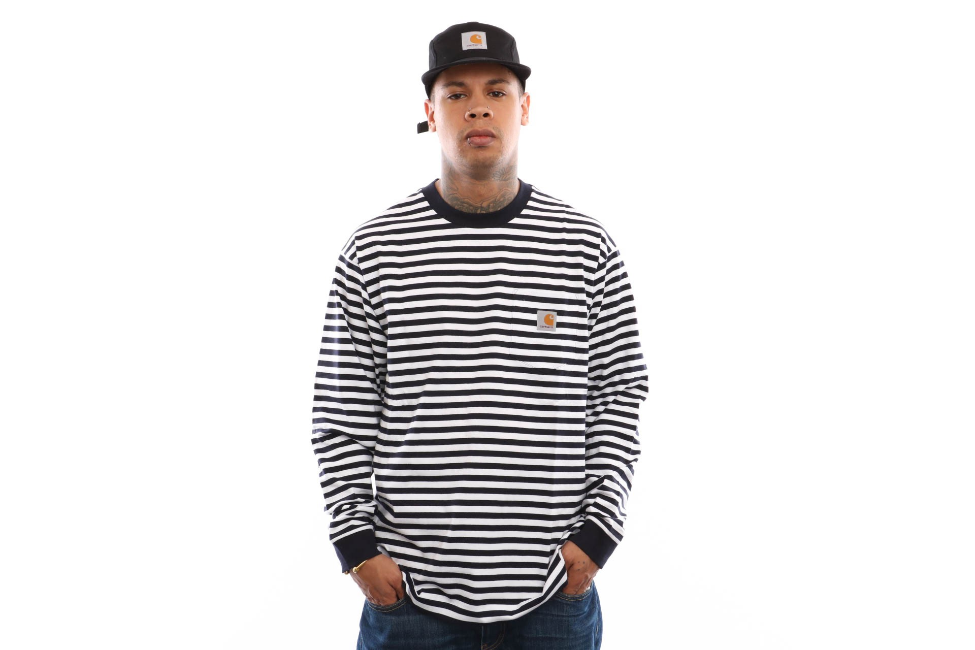 Foto van Carhartt Wip L/S Barkley Pocket T-Shirt I026365 Longsleeve Barkley Stripe. Dark Navy / White