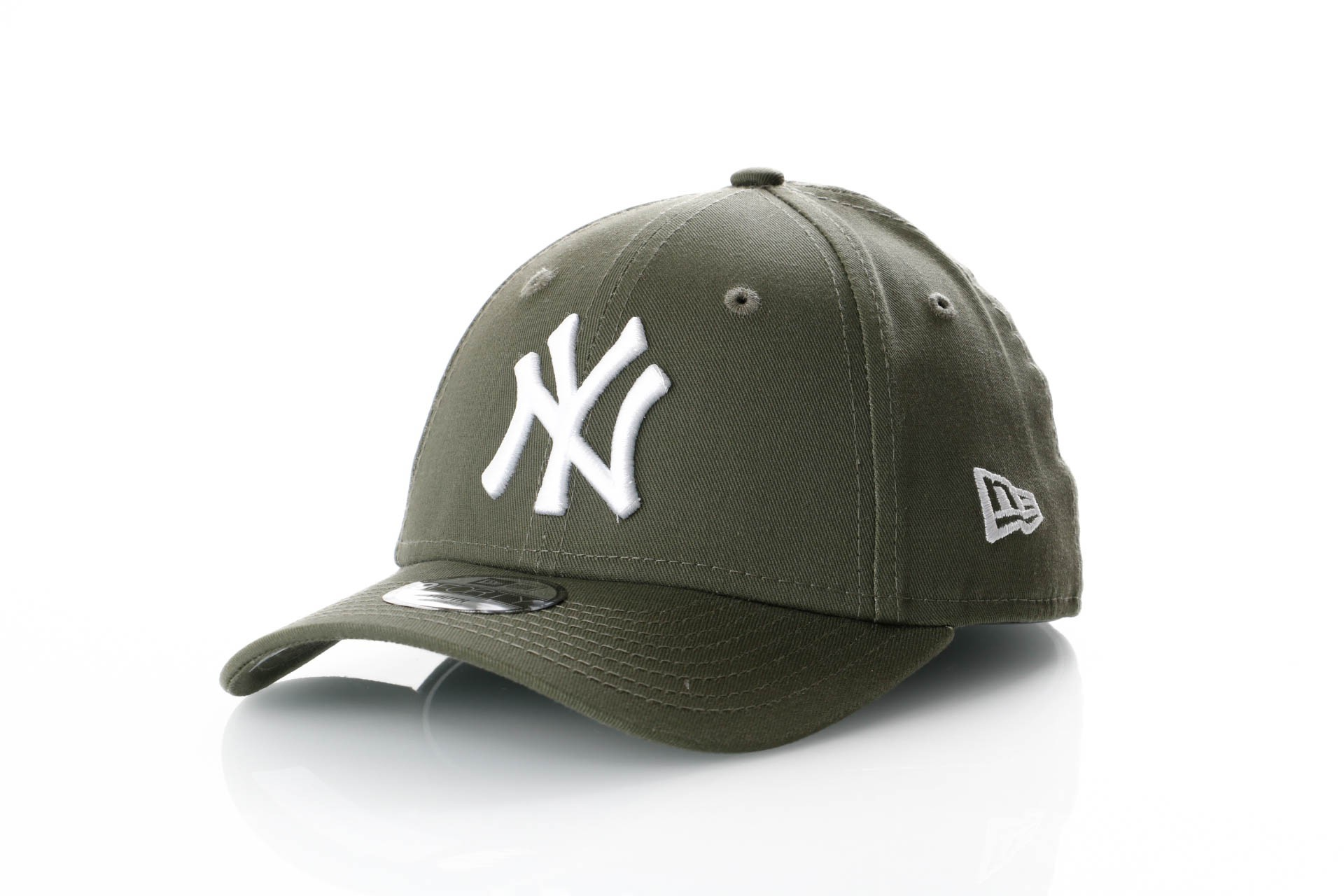 Foto van New Era Kids League Essential 9Forty 11871489 Dad Cap New Olive/Optic White Mlb New York Yankees