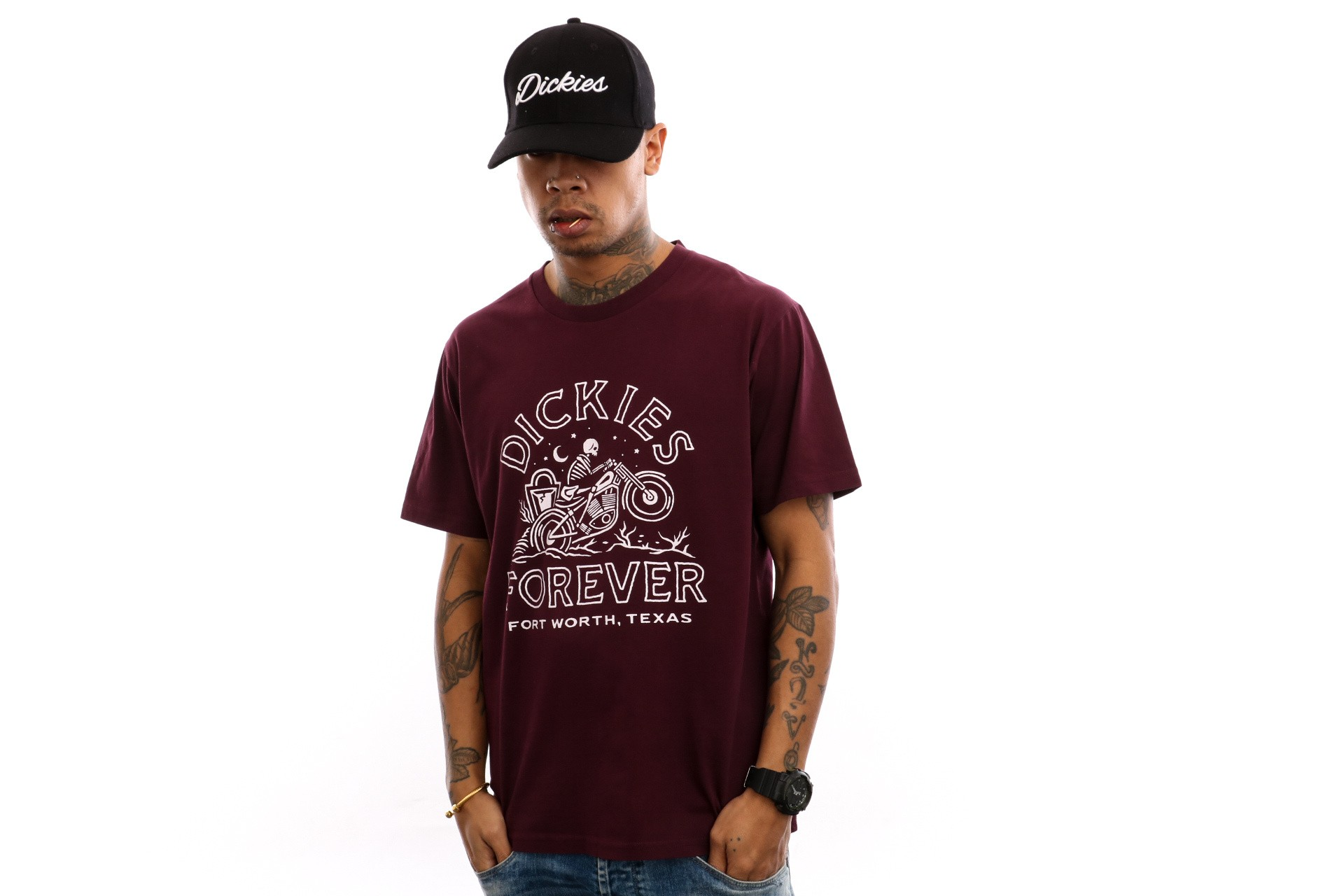Foto van Dickies Alder Creek 06 210643 T Shirt Maroon