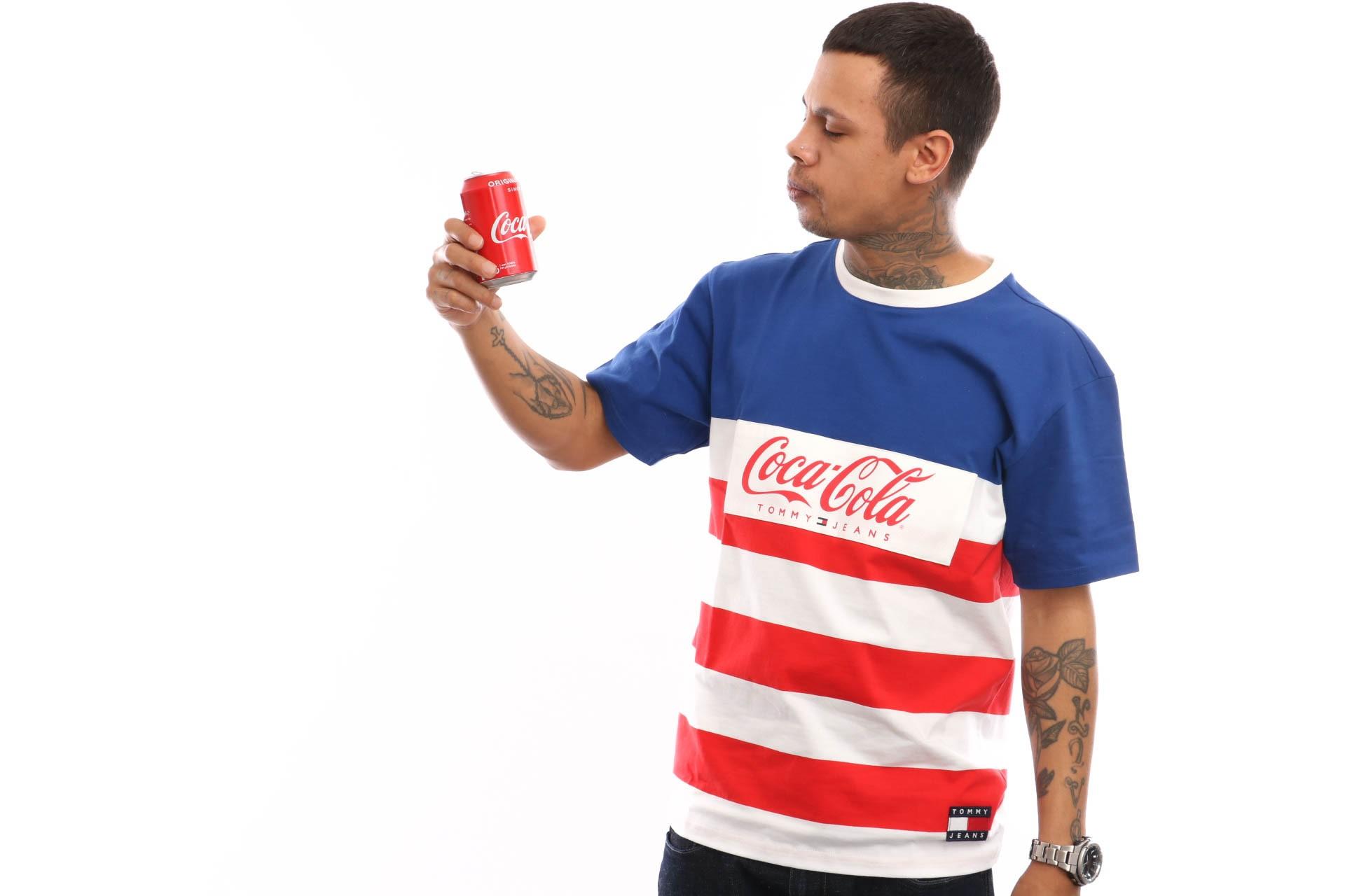 Foto van Tommy Hilfiger Tjm Tommy X Coca Cola Stripe Tee Dm0Dm06693 T Shirt Sodalite Blue / Multi