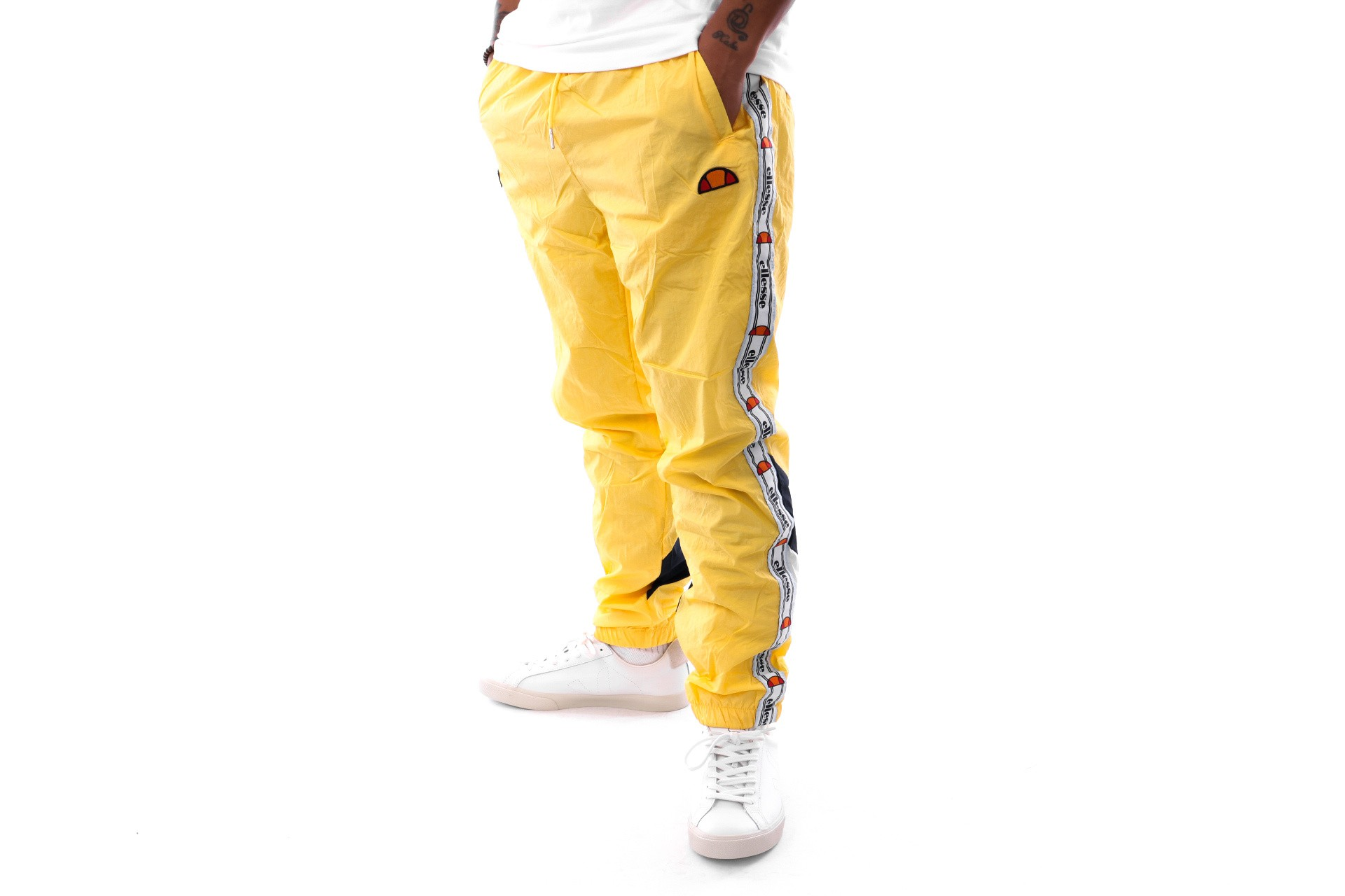 Foto van Ellesse Avico SHA05327 Trackpant Light Yellow