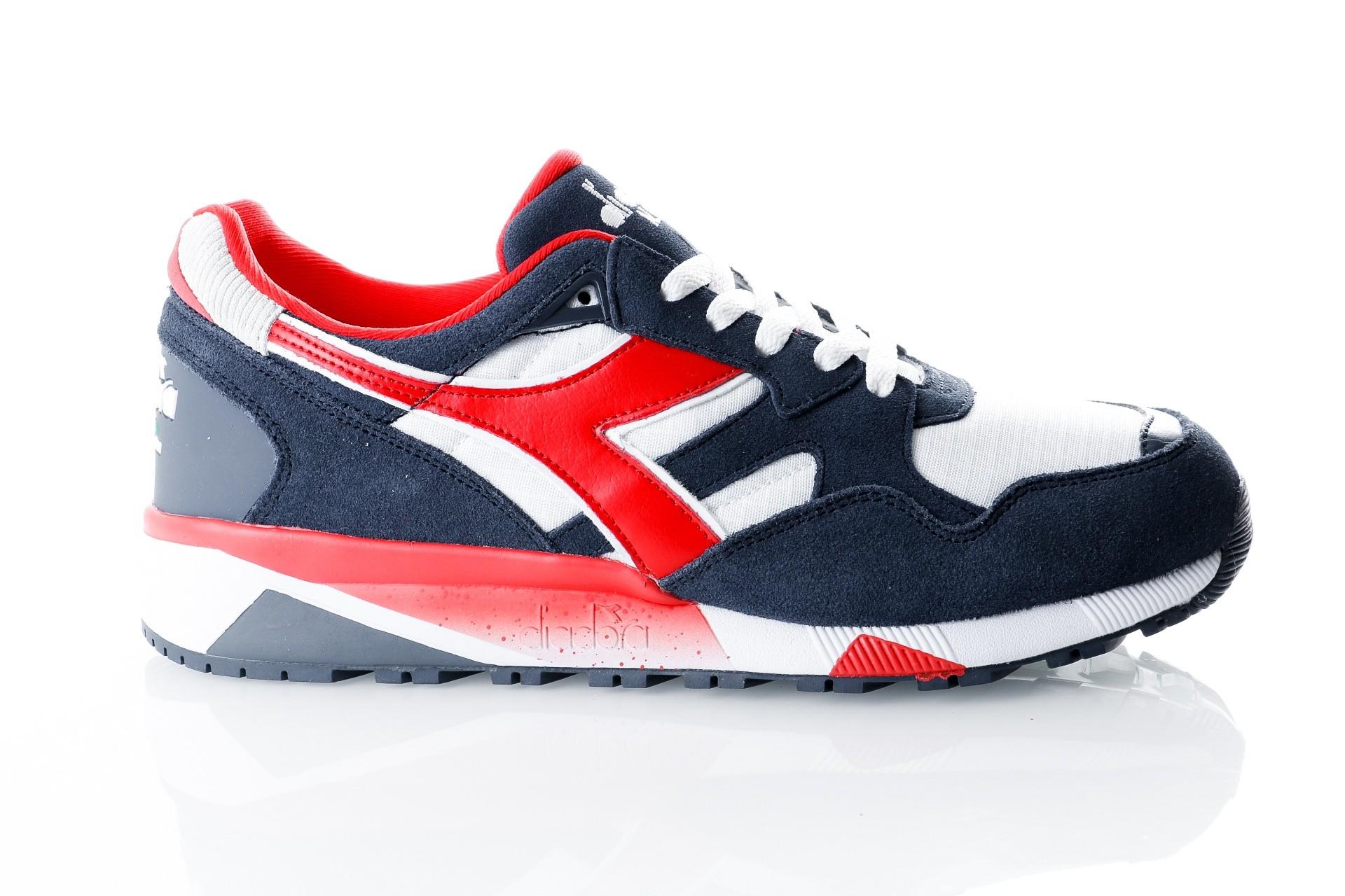 Foto van Diadora N9002 501173073 Sneakers insignia blue/white
