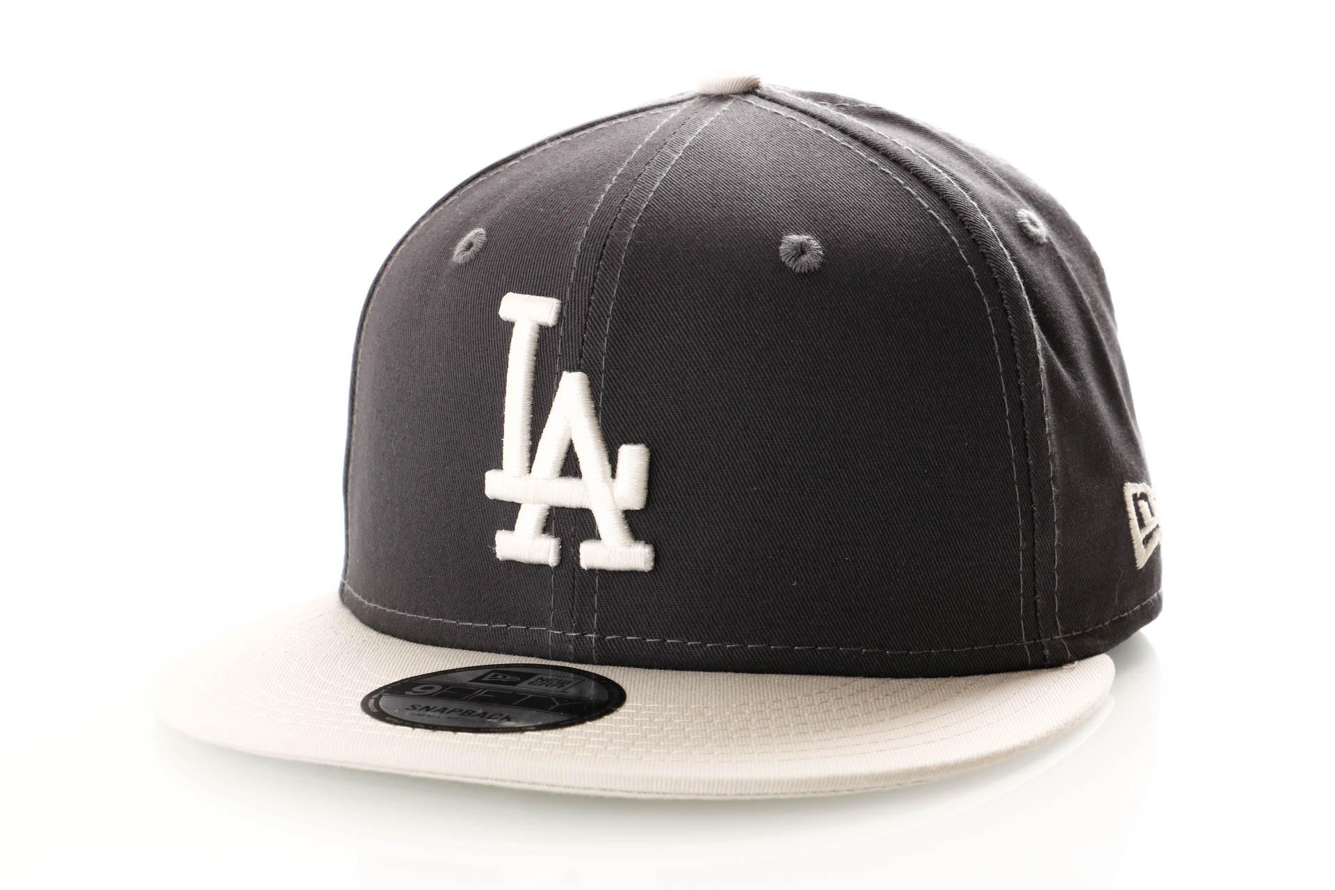 Foto van New Era League Essential 9Fifty 11945661 Snapback Cap Graphite/Off White Los Angeles Dodgers
