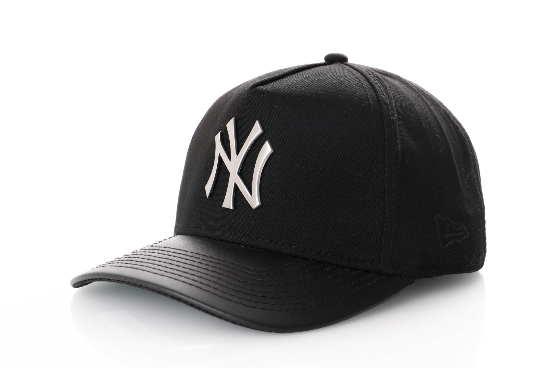 Foto van New Era Foil Infill Afram Snapback Cap Black/ Leather Ny