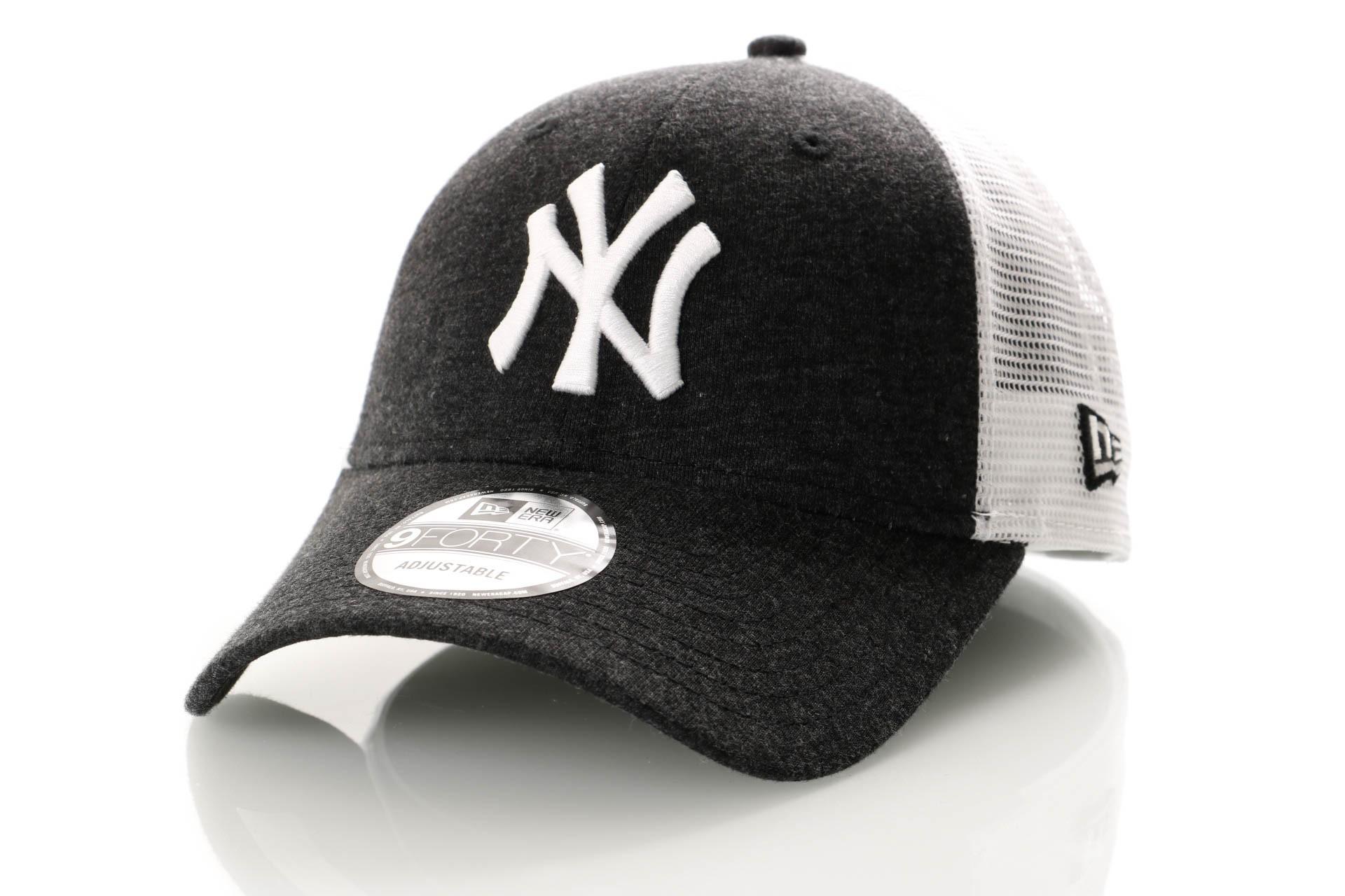 Foto van New Era Summer League 9Forty 11945624 Trucker Cap Black/Optic White New York Yankees