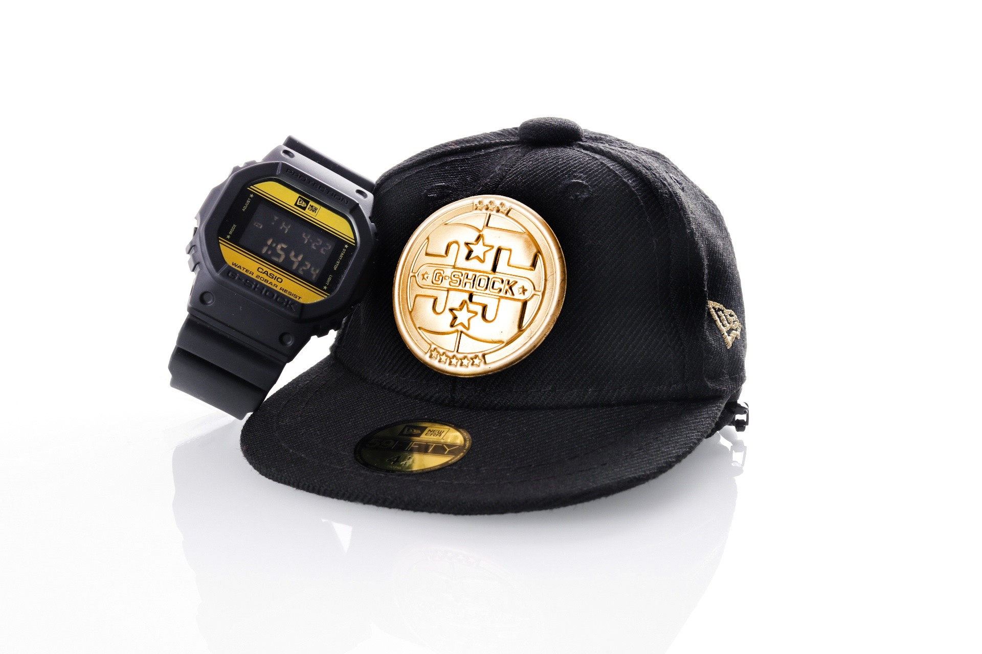 Foto van Casio G-shock New Era Collab DW-5600NE-1ER Horloge Black Gold