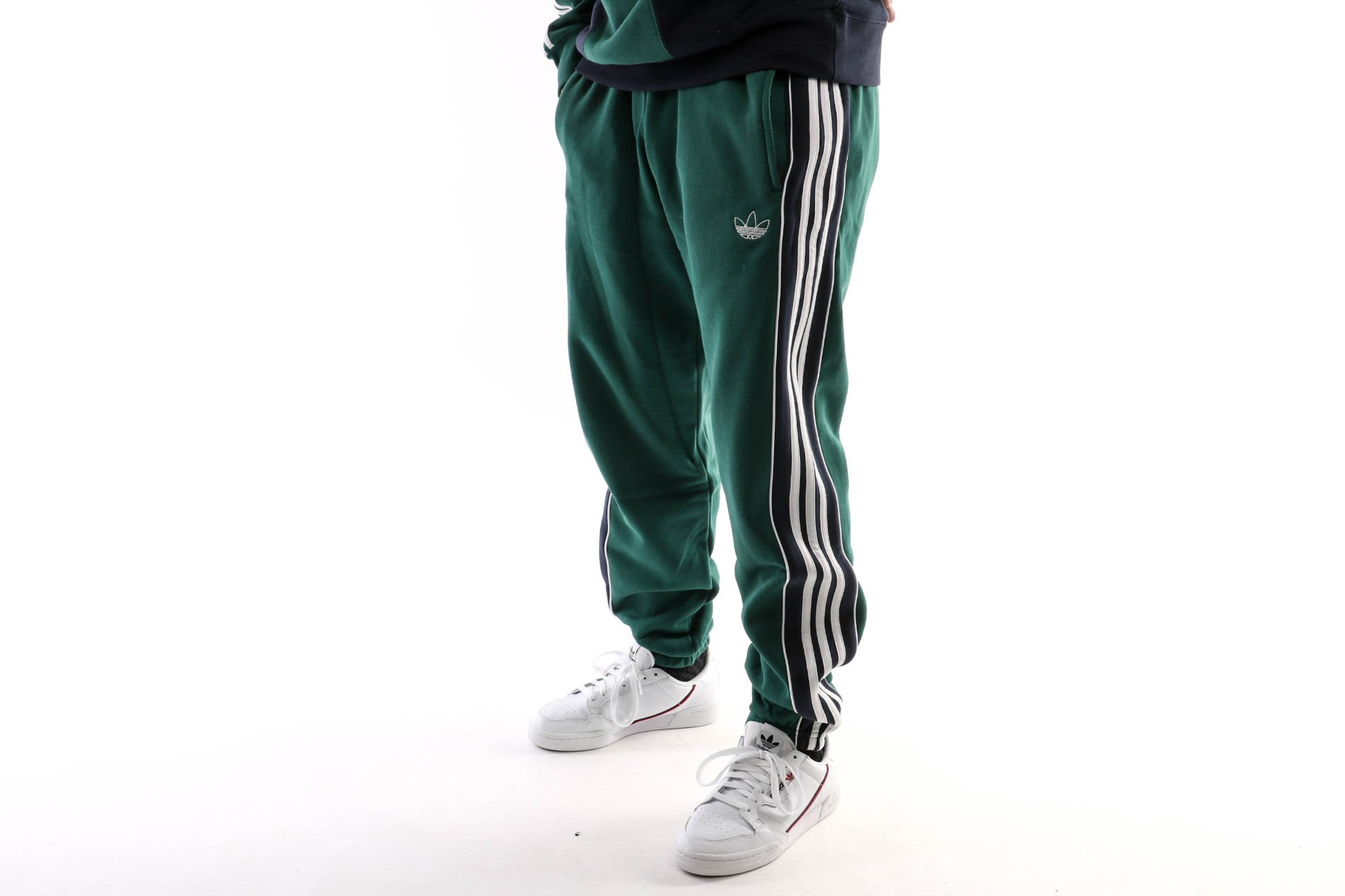 Foto van Adidas 3 Stripe Panel Ej7112 Trackpant Collegiate Green/Legend Ink