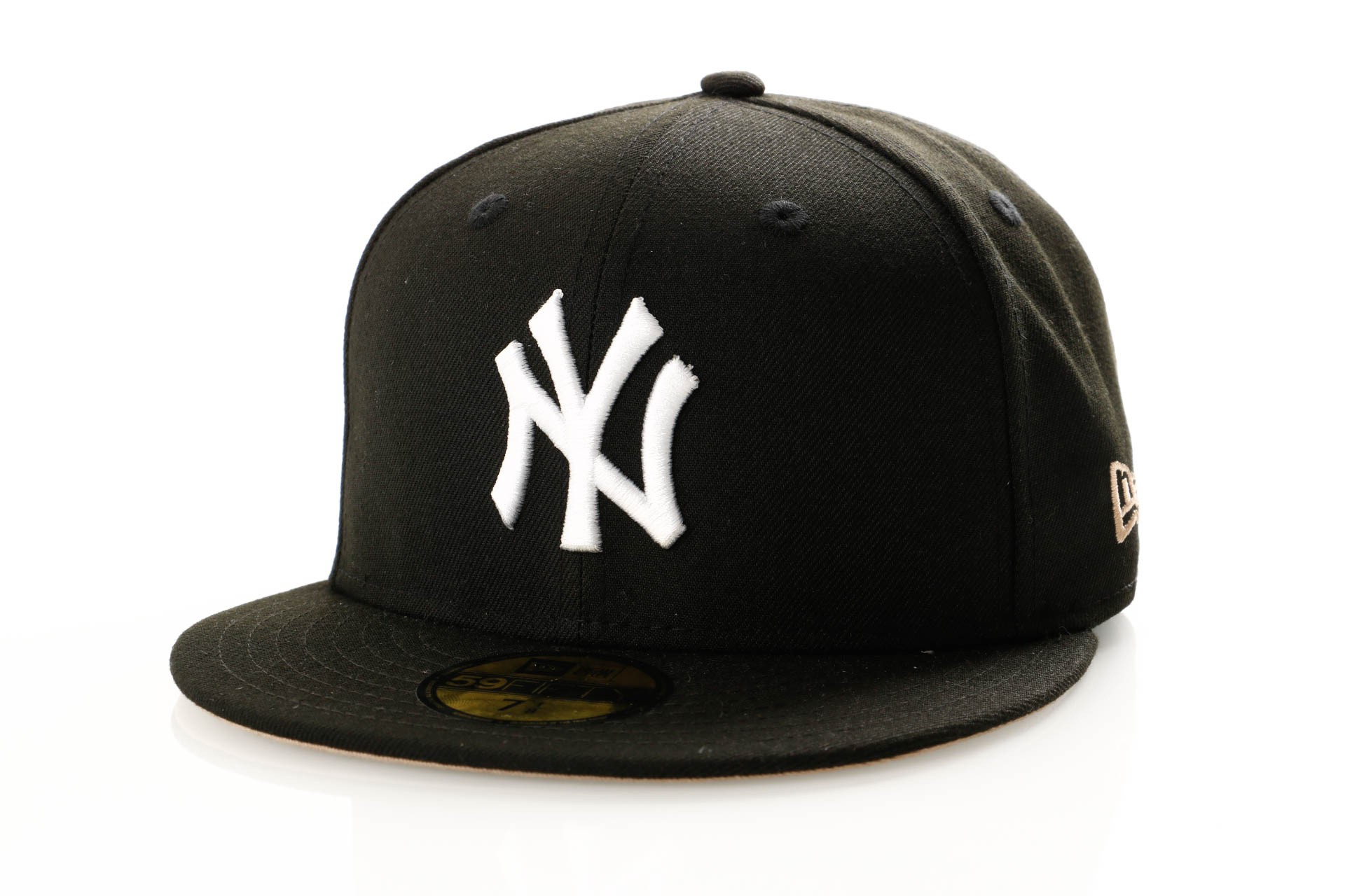 Foto van New Era League Essential 11945531 Fitted Cap Black New York Yankees
