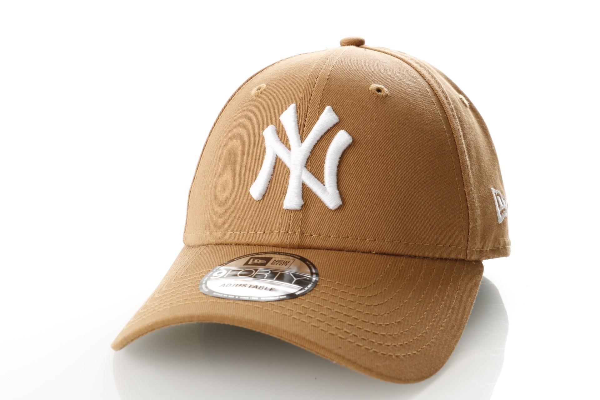 Foto van New Era LEAGUE ESSENTIAL 9FORTY NEW YORK YANKEES 11794679 Dad cap WHEAT/OPTIC WHITE MLB