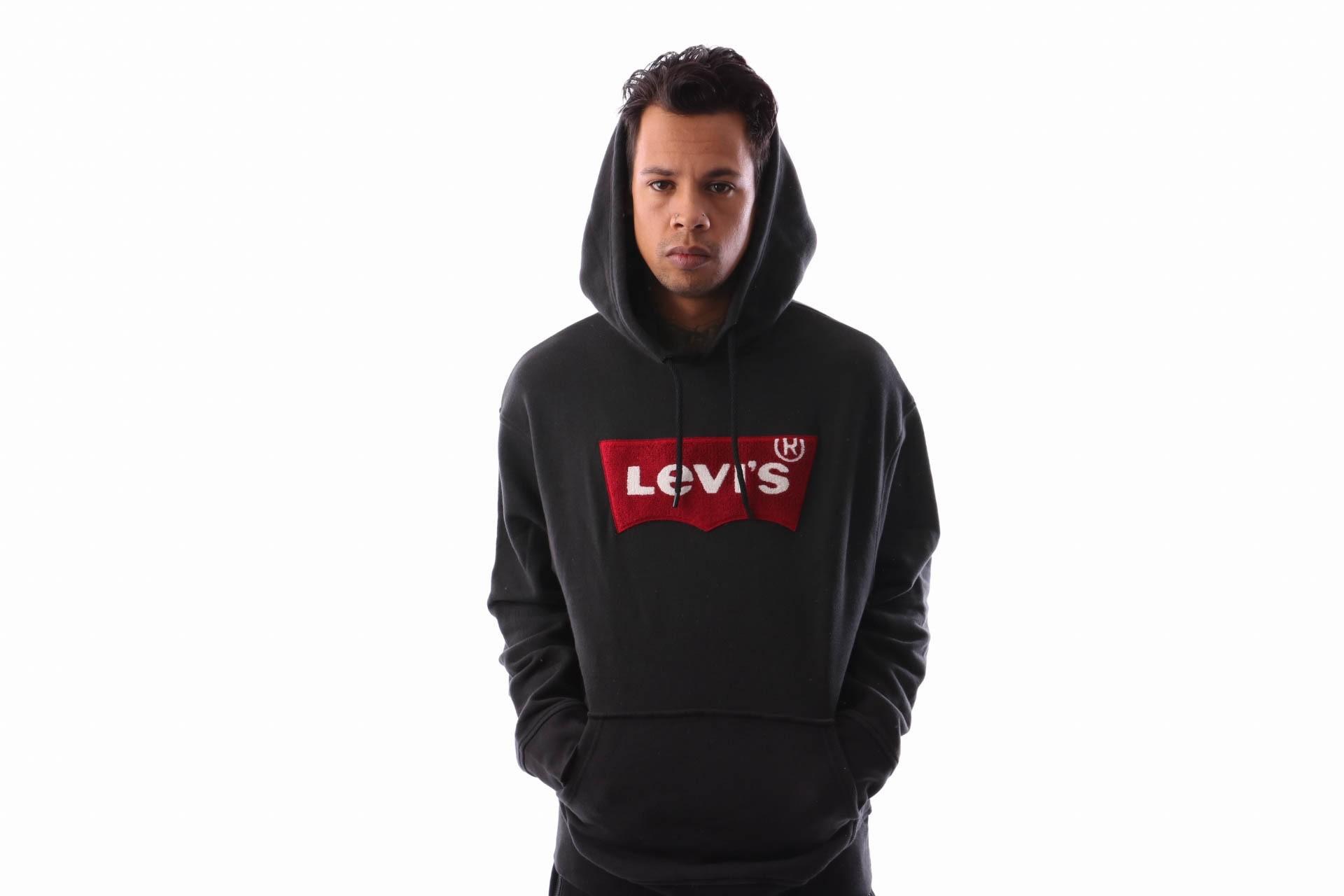Foto van Levi`s OVERSIZED PULL HOODIE 56629-0000 Hooded Varsity Batwing Black