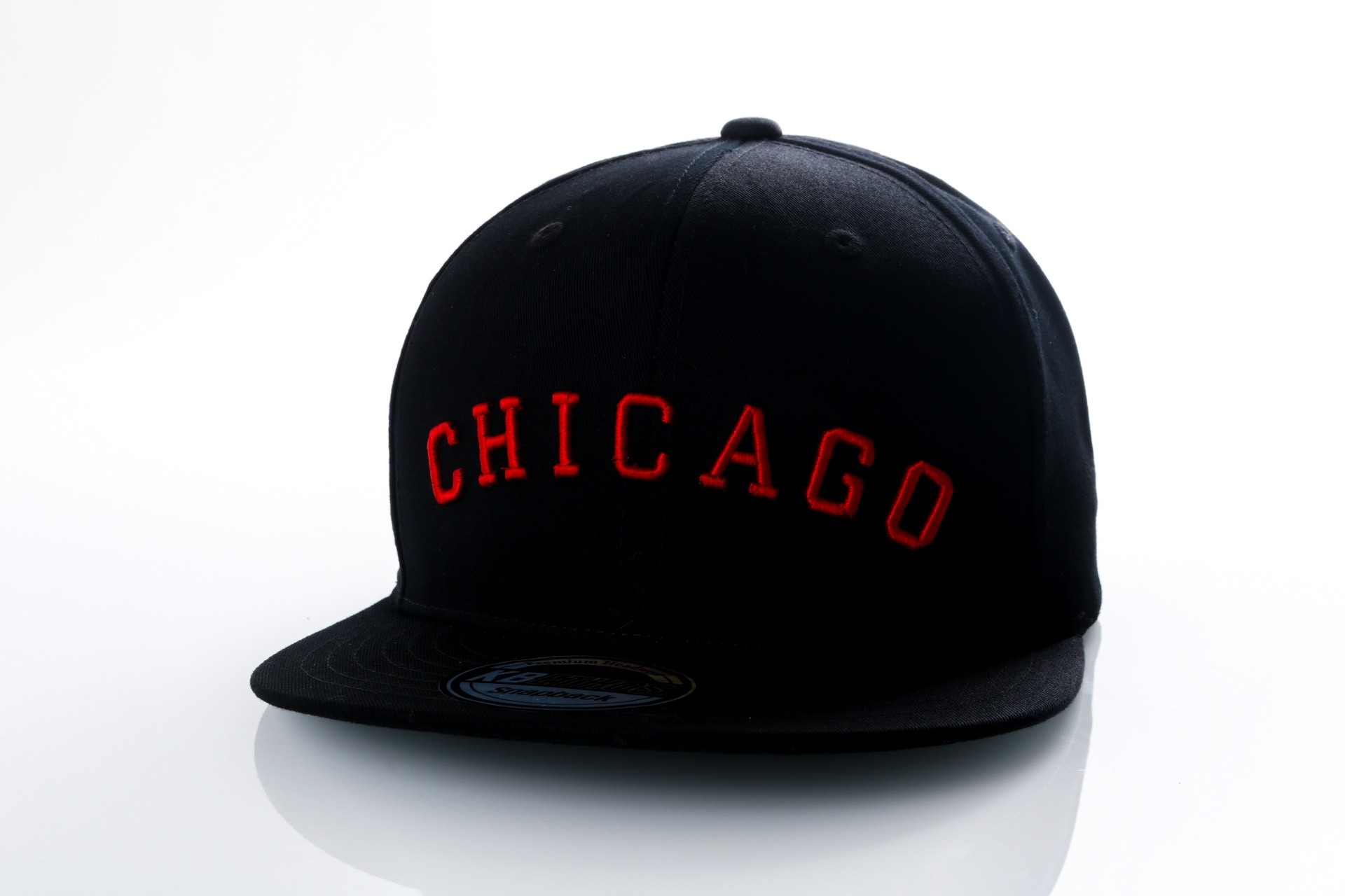 Foto van Ethos Chicago KBN-500CH black/black/red KBN-500CH dad cap black/black/red
