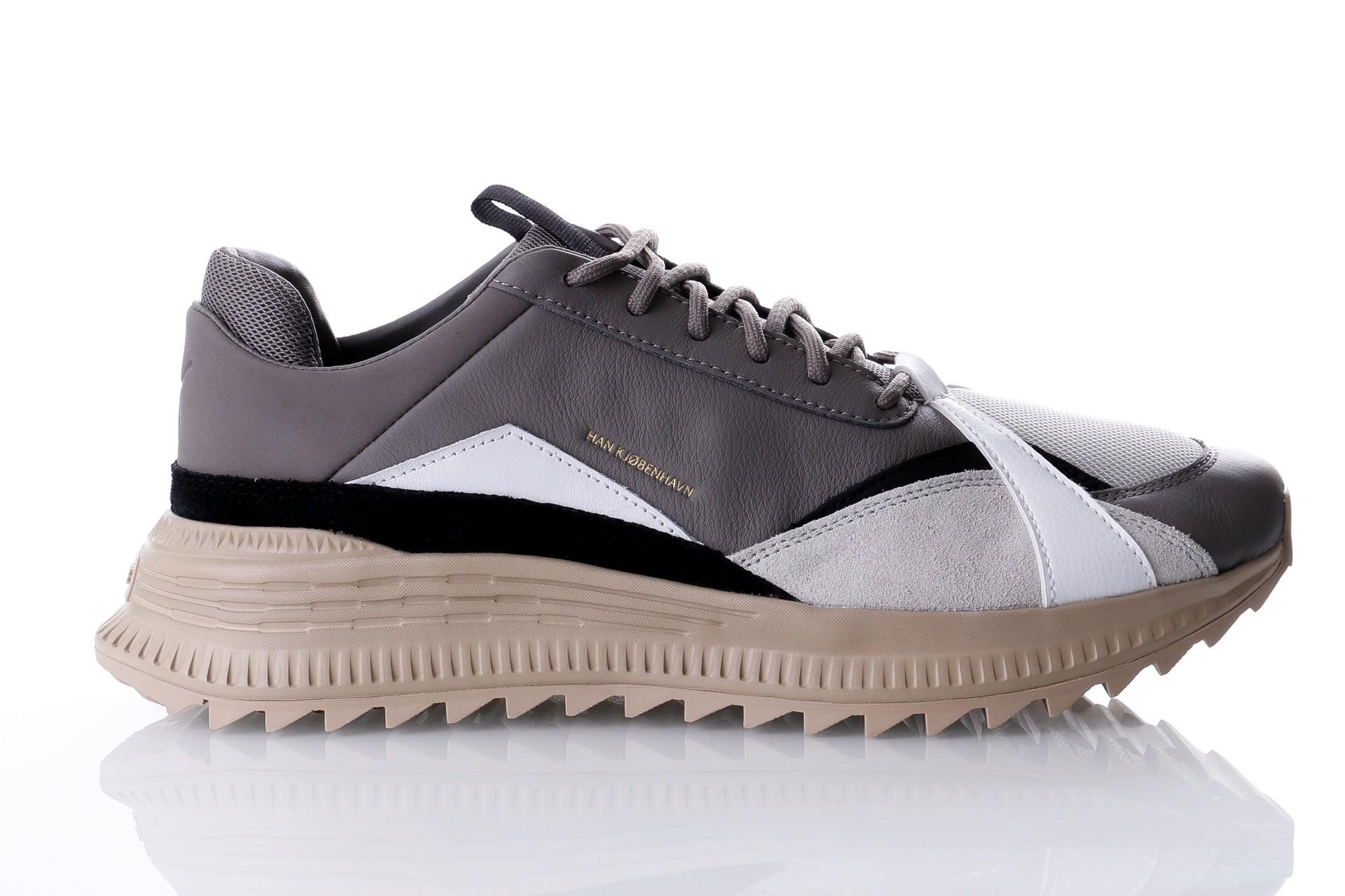 Foto van Puma Avid HAN 367187 Sneakers puma white-safari