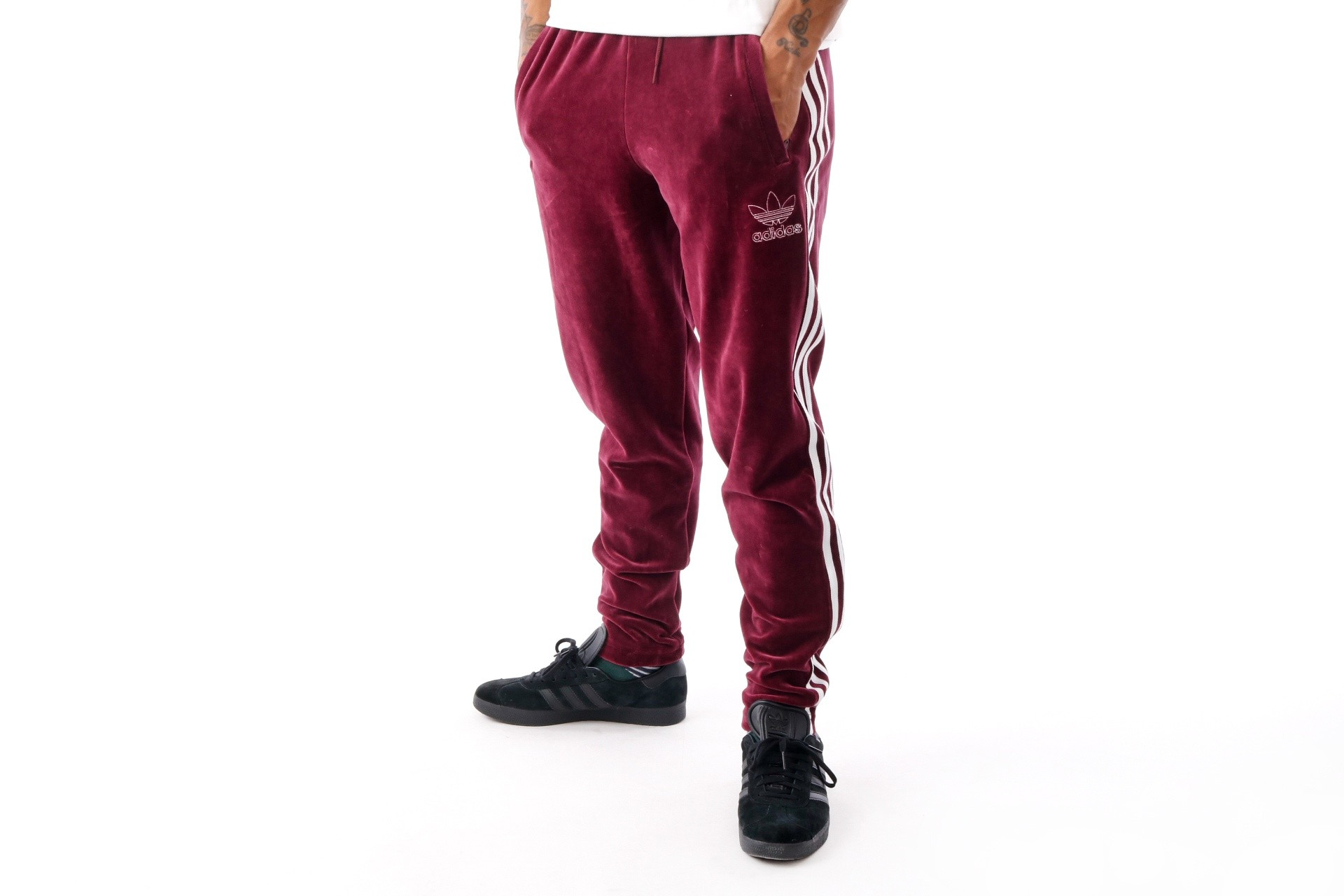 Foto van Adidas VELOUR BB TP DH5784 trackpant MAROON