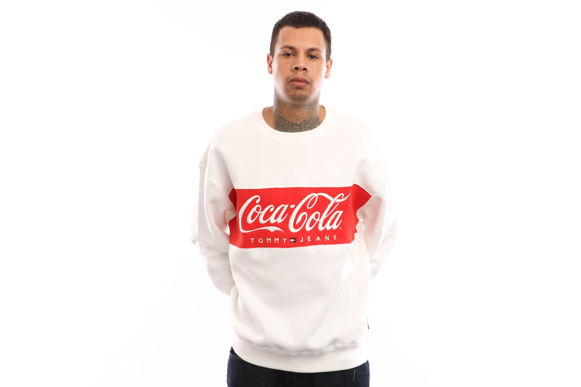 Foto van Tommy Hilfiger TJM Tommy X Coca Cola Sweat DM0DM06690 Crewneck Bright White