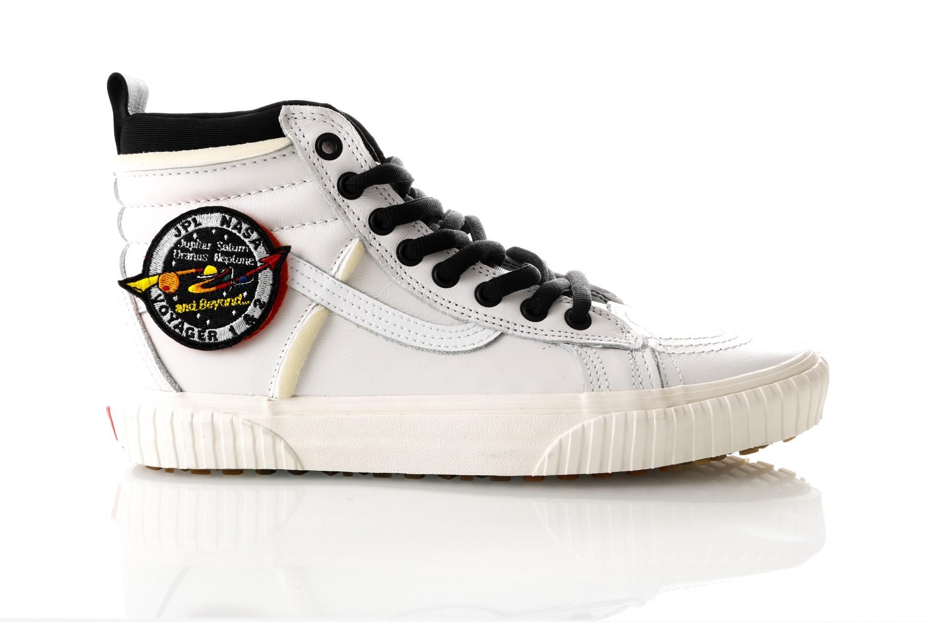Foto van Vans UA SK8-Hi 46 MTE DX Vans X Nasa VA3DQ5UQ4 Sneakers space voy/true wh/marshm