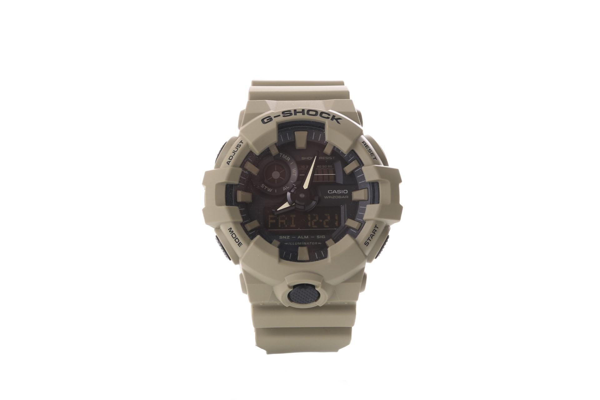 Foto van Casio G-Shock GA-700UC-5AER Watch GA-700UC Bruin