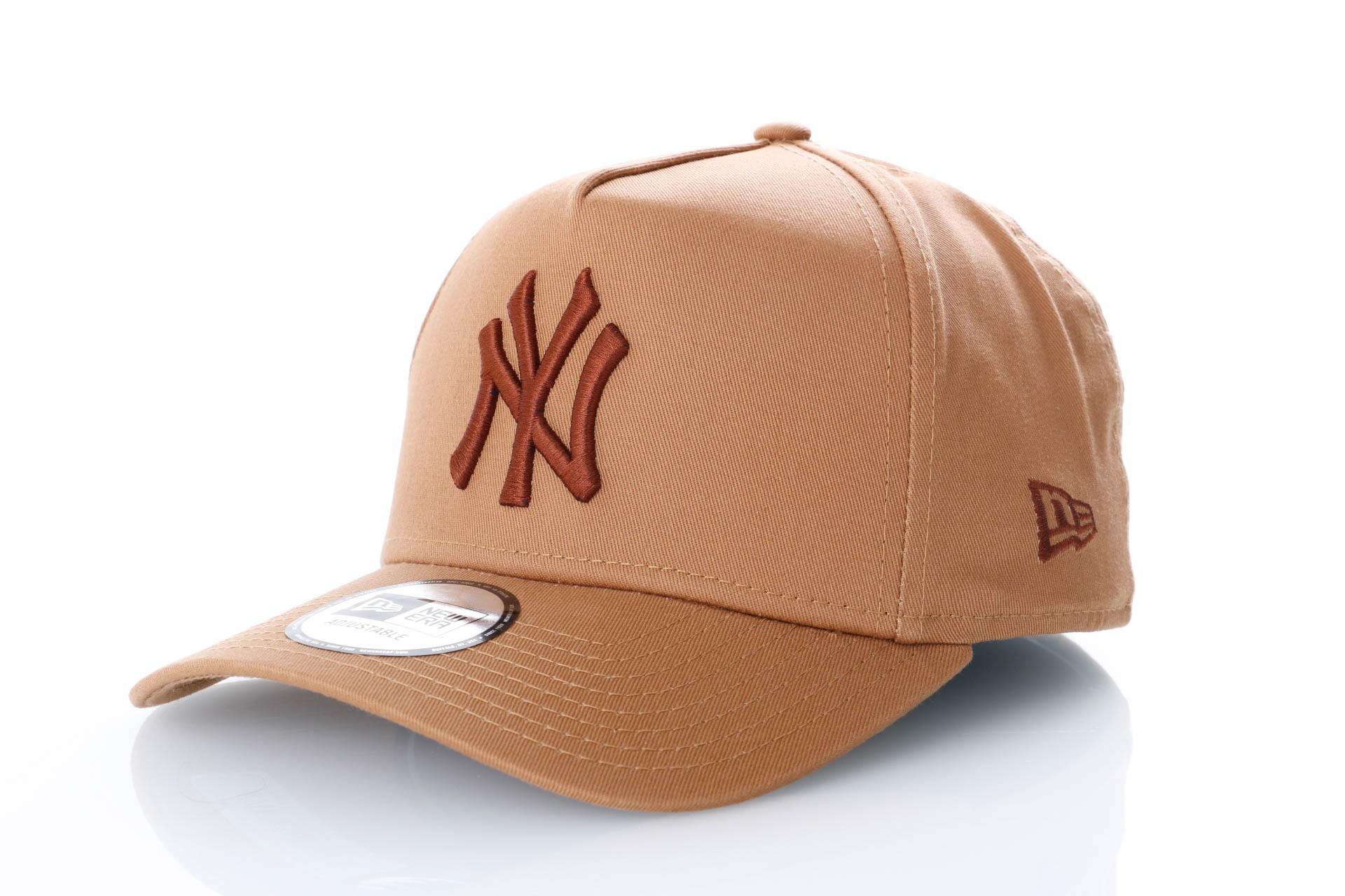 Foto van New Era League Essential Aframe New York Yankees 11794672 Dad Cap Wheat/Brown Mlb