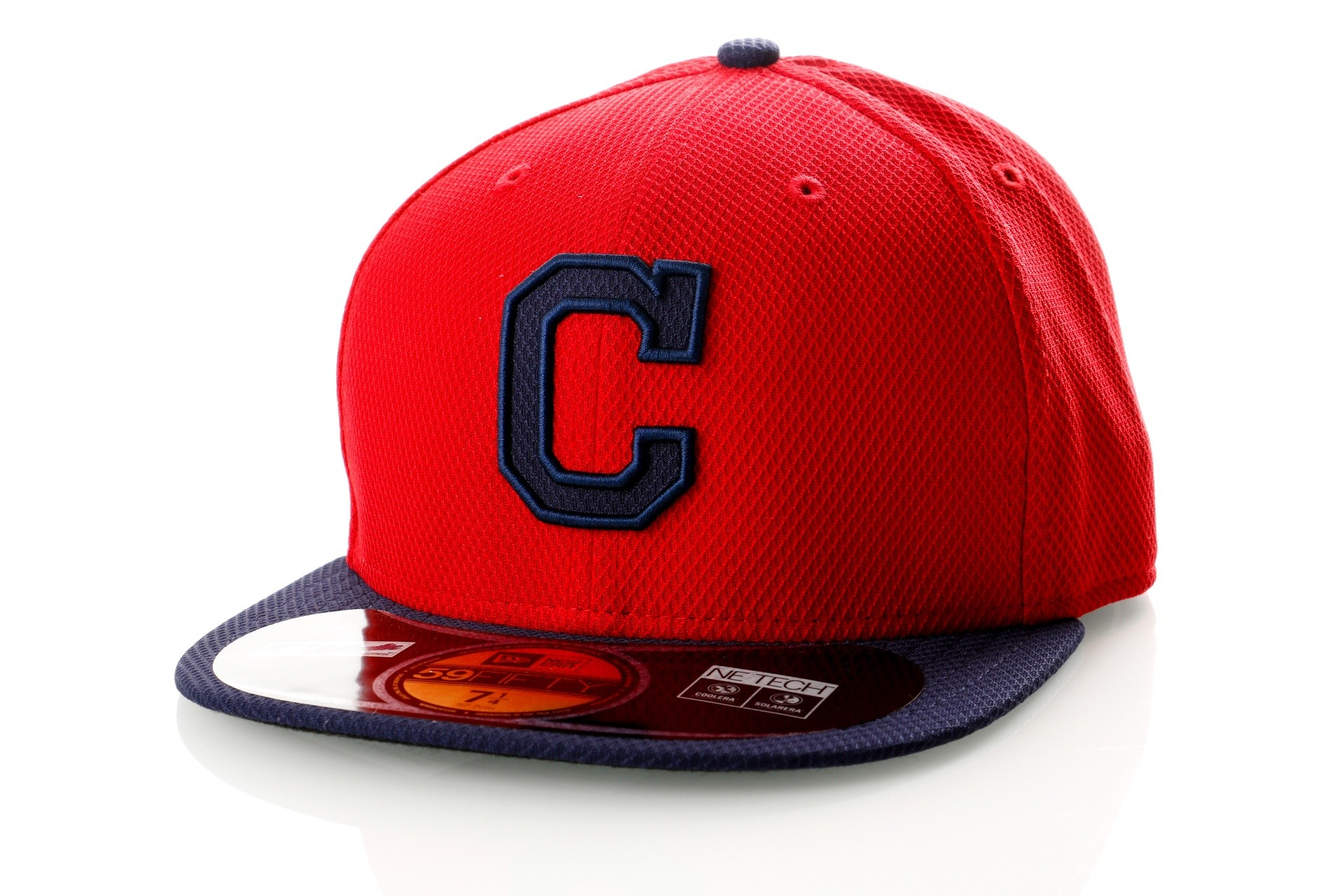 Foto van New Era Diamond Era 21184489 Fitted Cap Red/Navy MLB Cleveland Indians