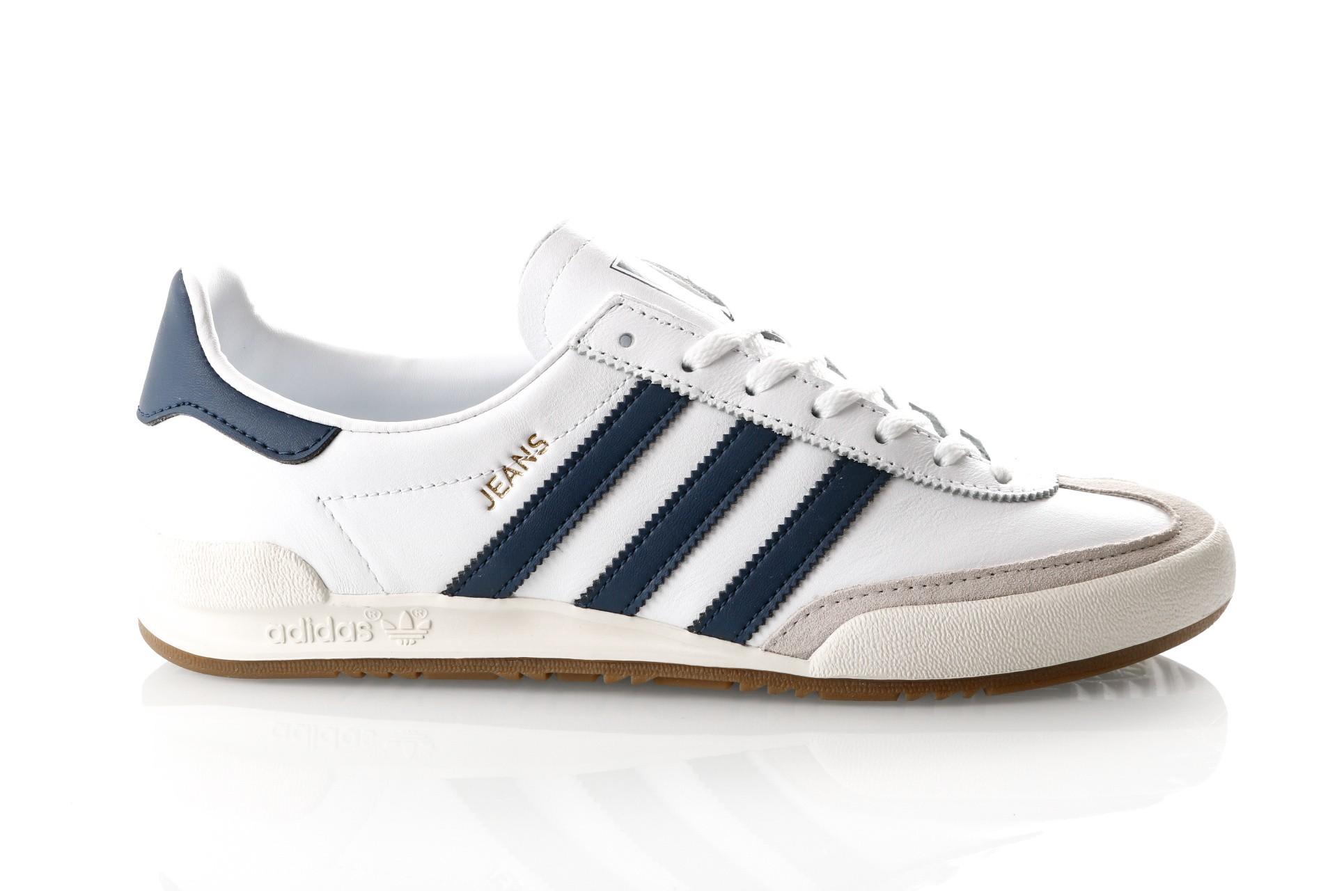 Foto van Adidas JEANS BD7683 Sneakers ftwr white/collegiate navy/clear brown