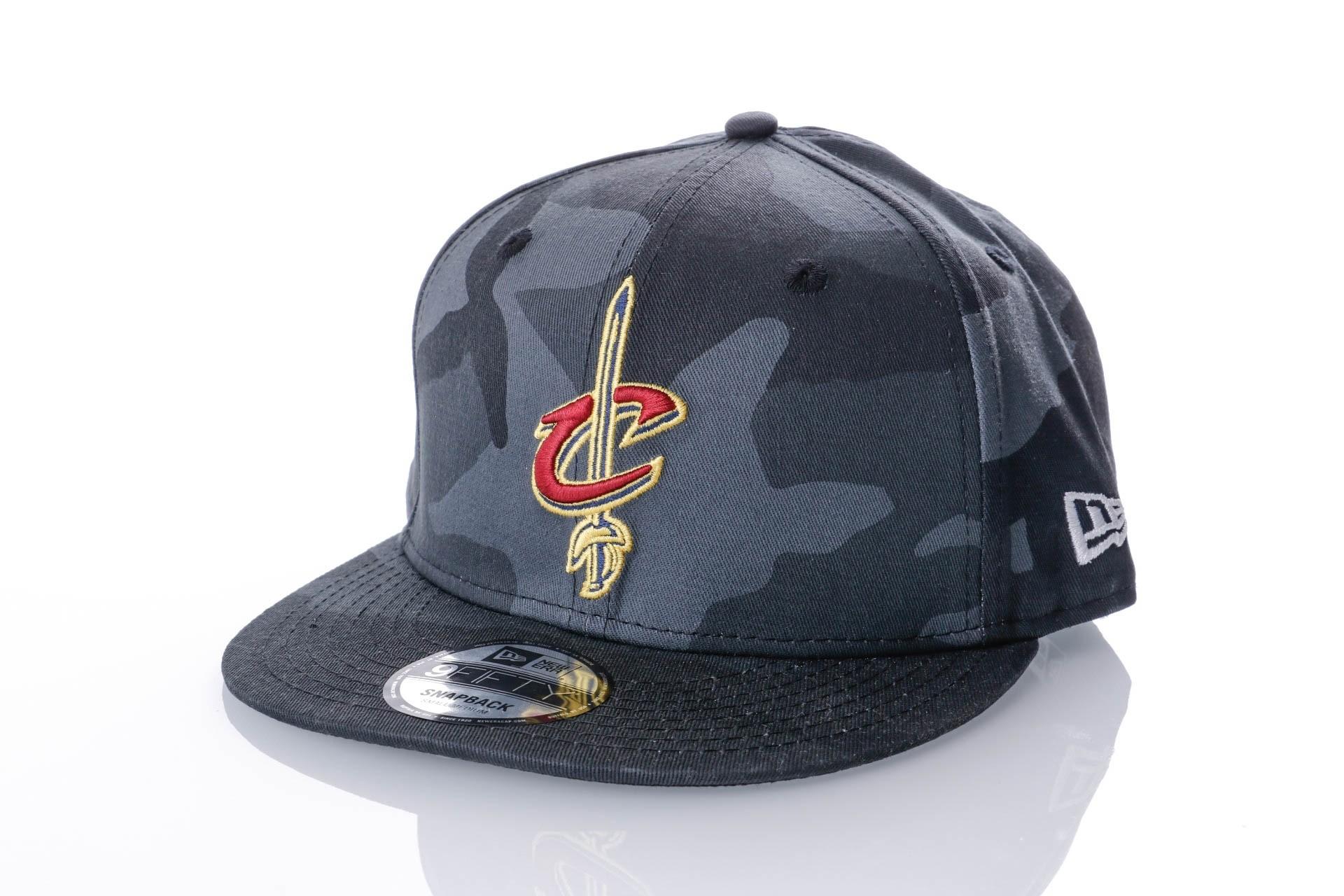 Afbeelding van New Era CAMO COLOR 9FIFTY CLEVELAND CAVALIERS 80636094 Snapback cap MIDNITE CAMO MLB