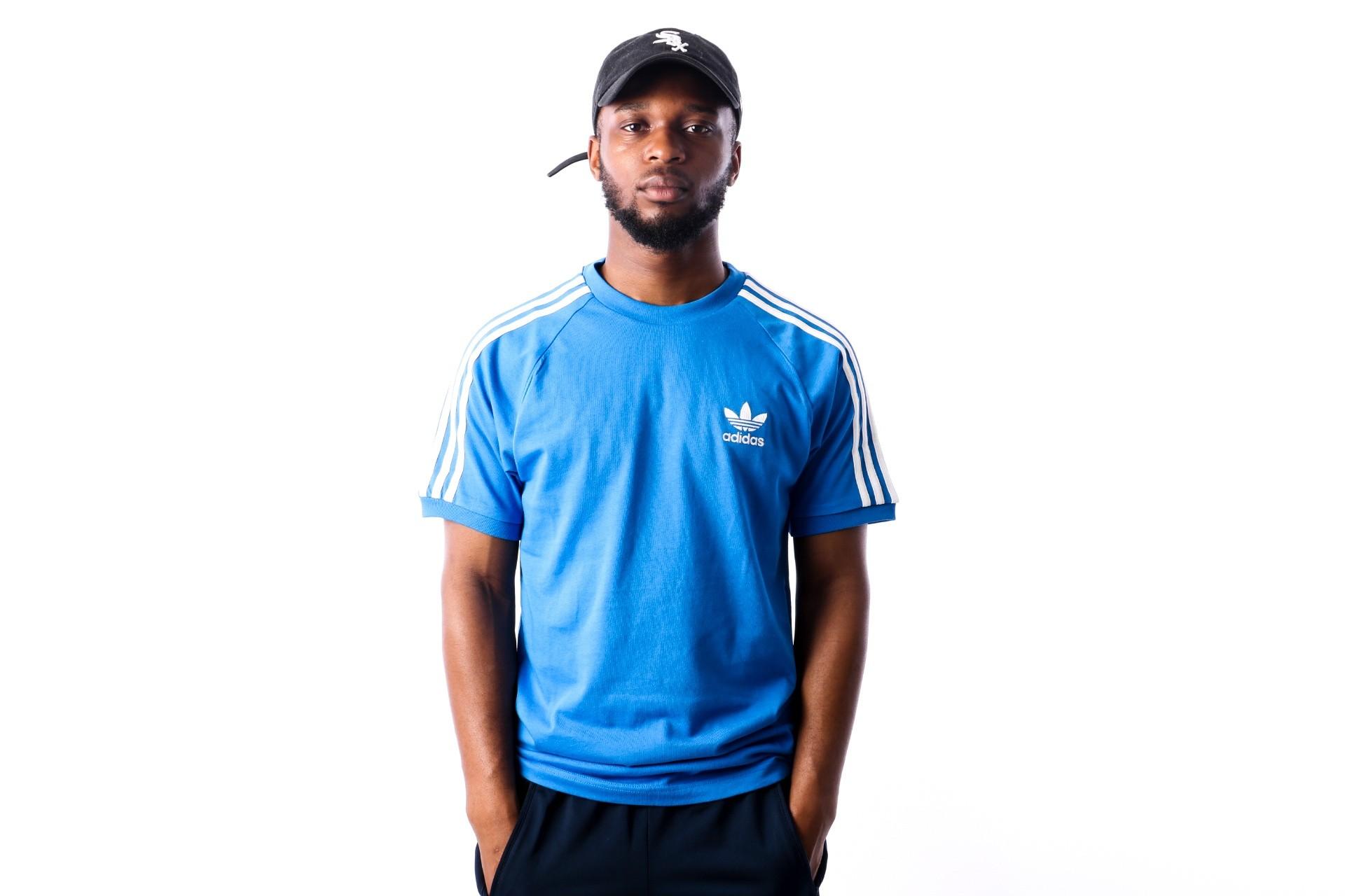 Foto van Adidas 3-STRIPES TEE DH5805 t-shirt BLUEBIRD