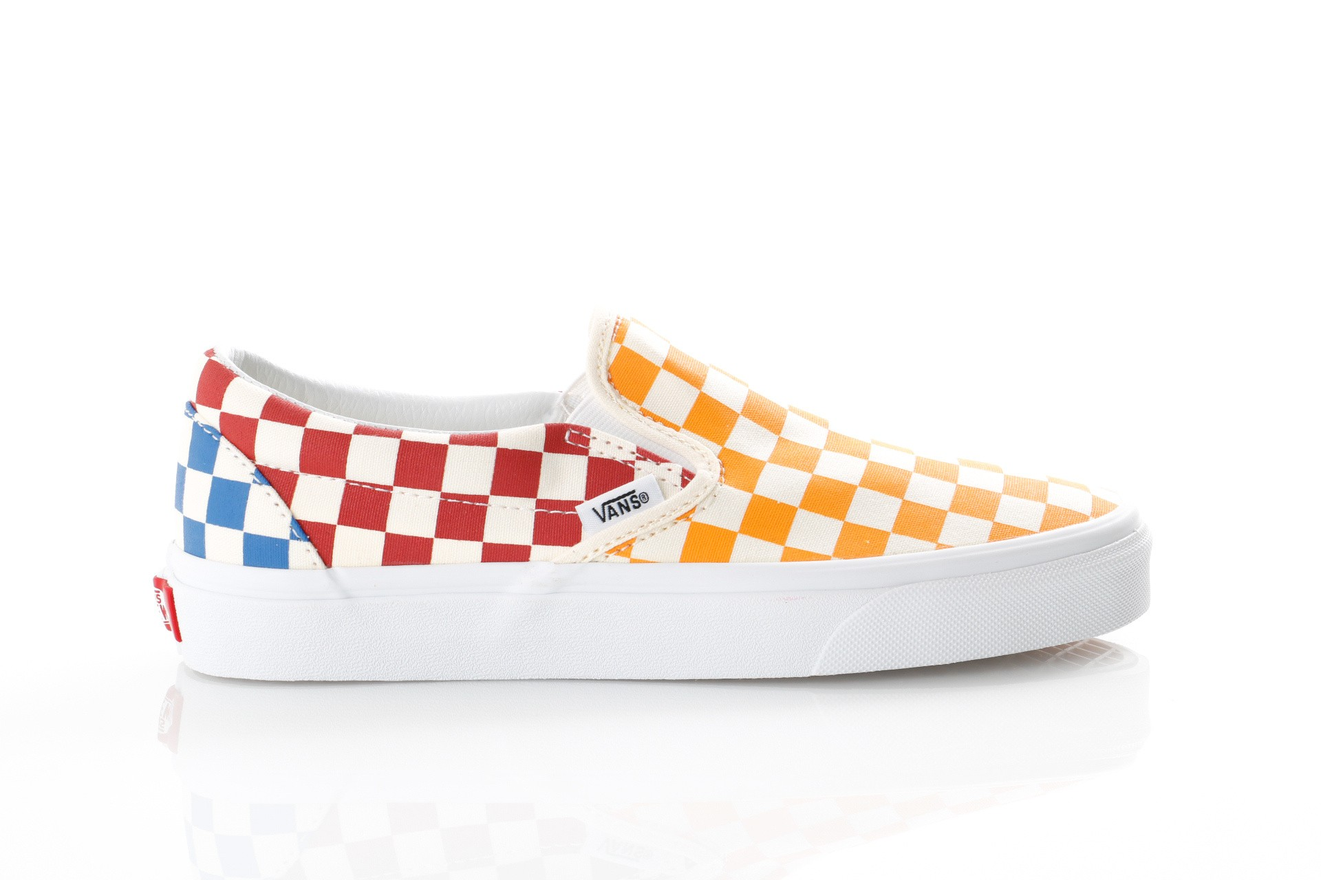 Foto van Vans UA Classic Slip-On VN0A38F7VLV Sneakers (Checkerboard) multi/true white