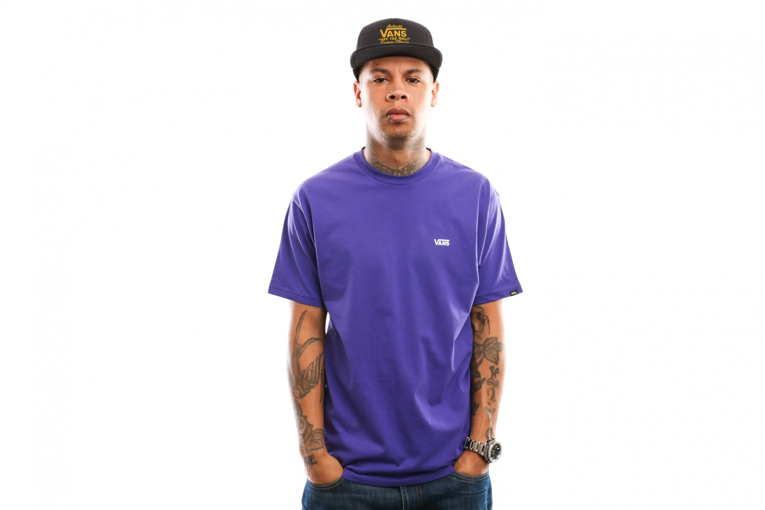 Foto van Vans Left Chest Logo Tee Vn0A3Czersv1 T Shirt Vans Purple