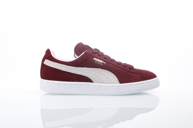 Foto van Puma 352634-75 Sneakers Suede classic+ Rood