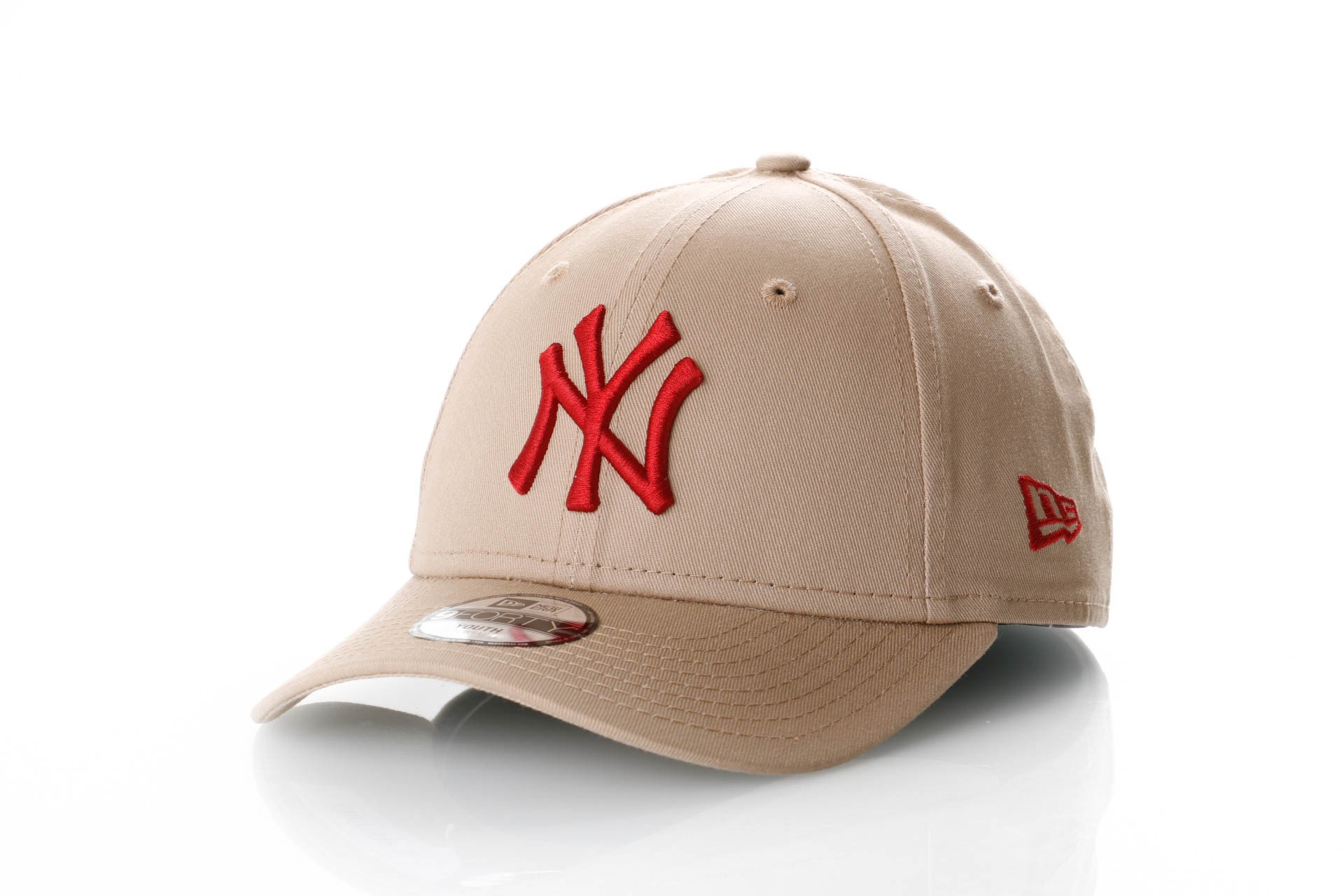 Foto van New Era Kids League Essential 9Forty 11871492 Dad Cap Camel/Hot Red Mlb New York Yankees