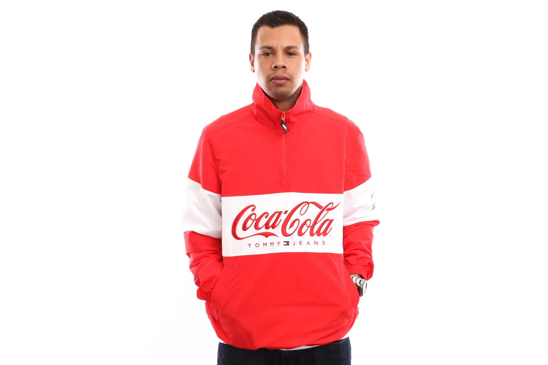 Foto van Tommy Hilfiger TJM Tommy X Coca Cola Jacket DM0DM06849 Jacket Coca Cola
