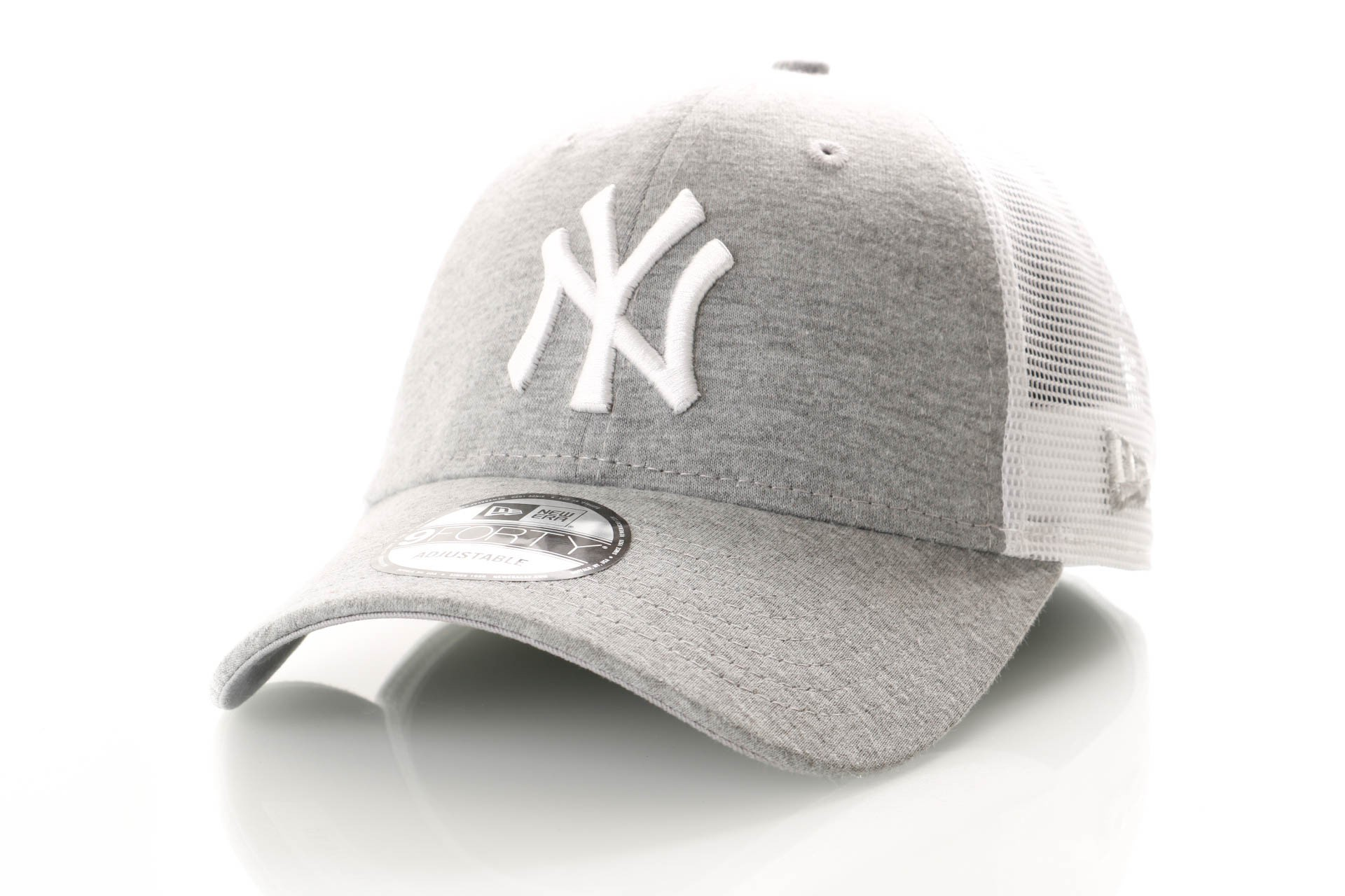 Foto van New Era Summer League 9Forty 11945623 Trucker Cap Gray/Optic White New York Yankees