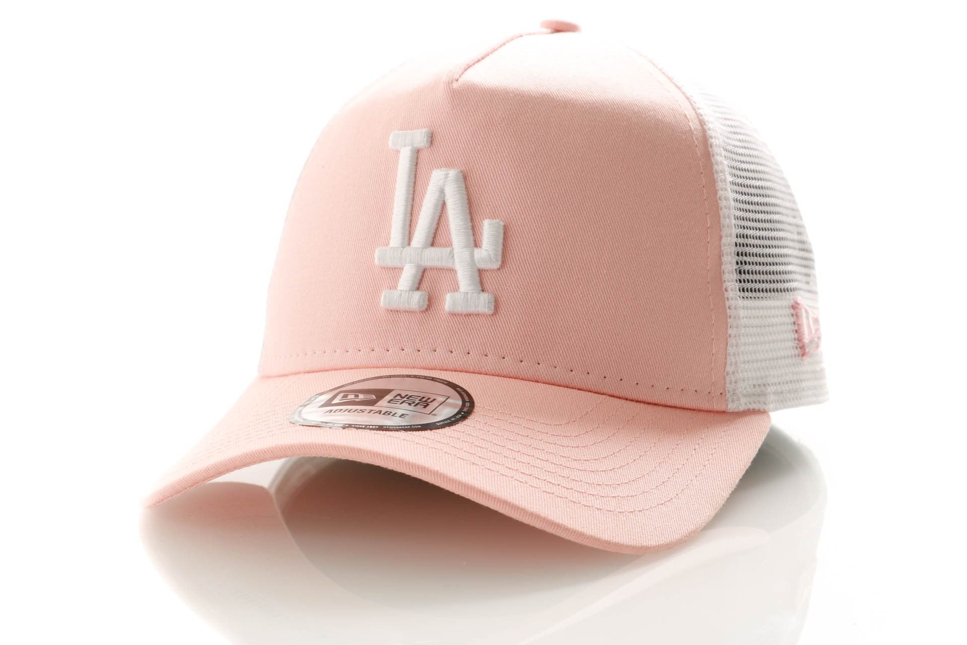 Foto van New Era League Essential Trucker 11945647 Trucker Cap Pink Lemonade/Optic White Los Angeles Dodgers