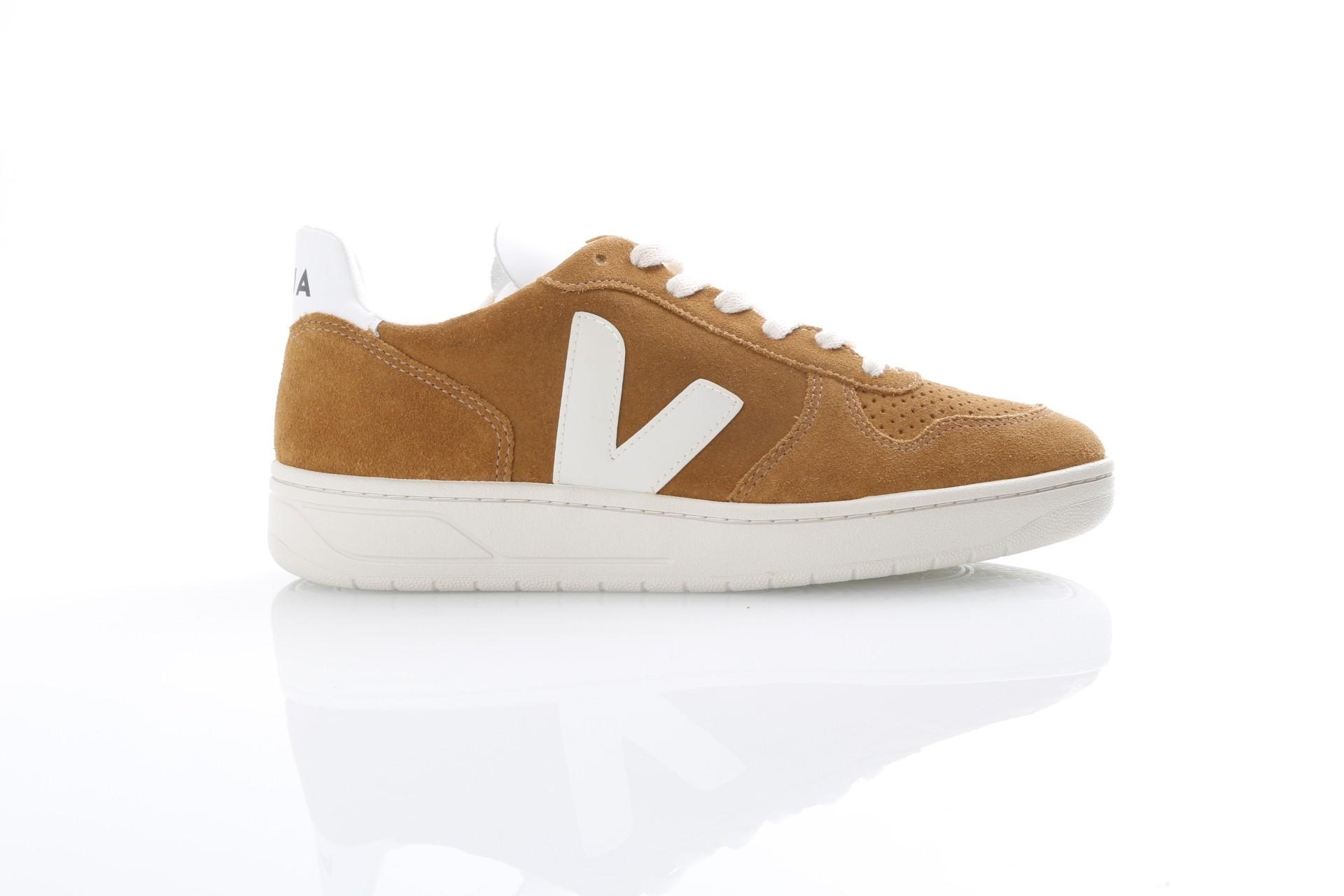 Afbeelding van Veja VX031546 Sneakers V-10 suede Bruin