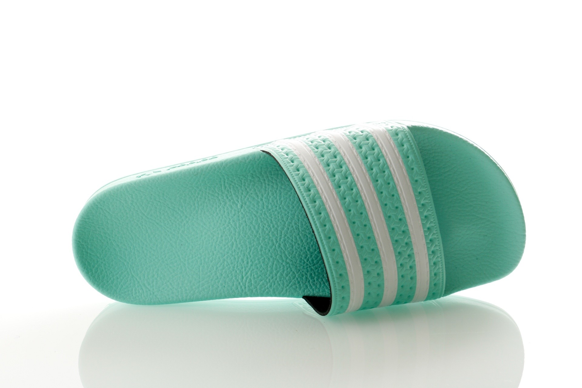 Foto van Adidas ADILETTE W CG6538 Slippers clear mint/clear mint/ftwr white