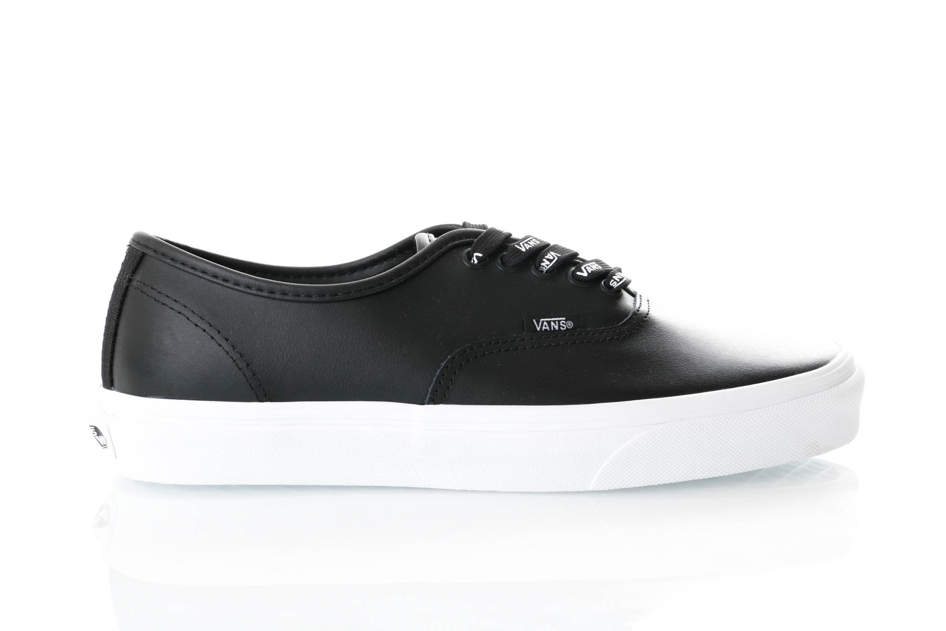 Foto van Vans UA Authentic VN0A38EMUKM1 Sneakers (OTW WEBBING) BLACK/LEATH