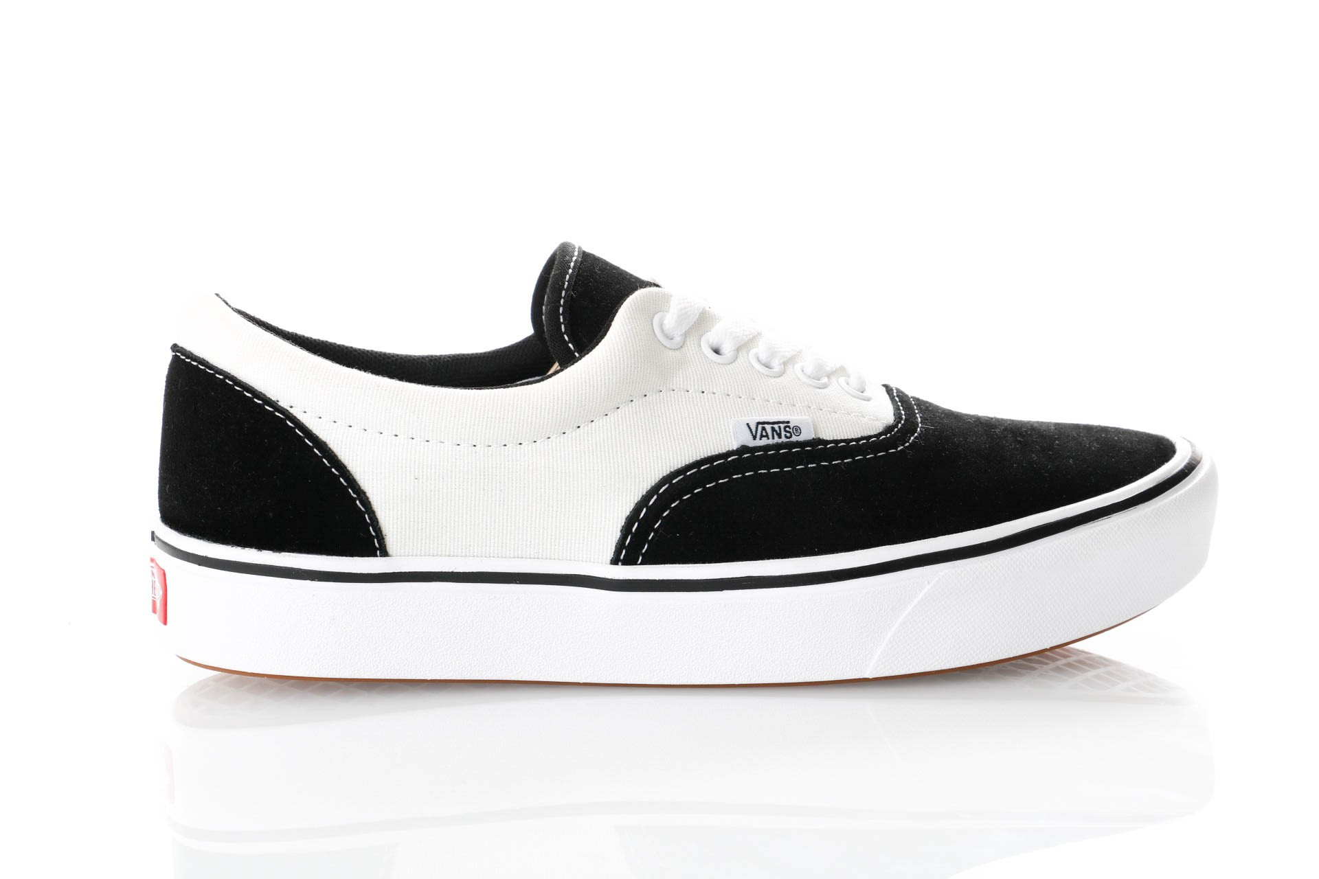 Foto van Vans Ua Comfycush Era Vn0A3Wm9N8K Sneakers (Suede/Canvas) Black/Marshmallow
