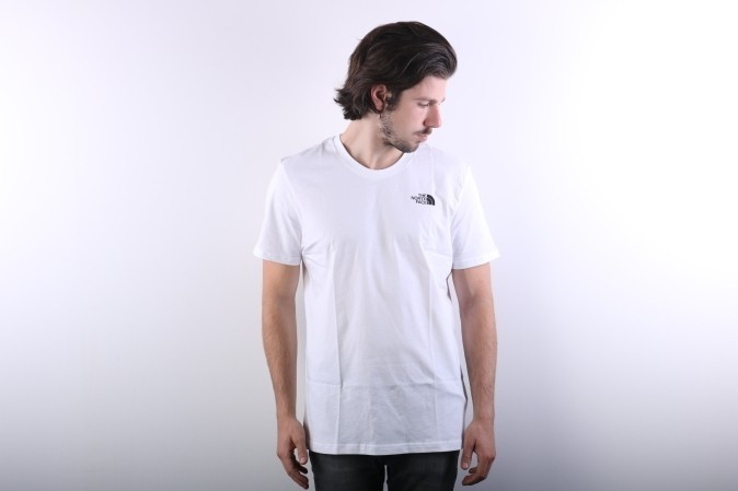 Foto van The North Face T92TX5-FN4 T-shirt Simple dome Wit