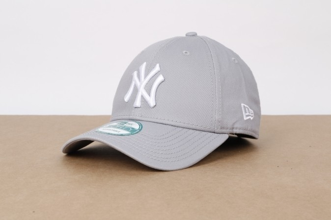 Afbeelding van New Era 10531940 Dad Cap 9Forty League Basic Ny Yankees Grey