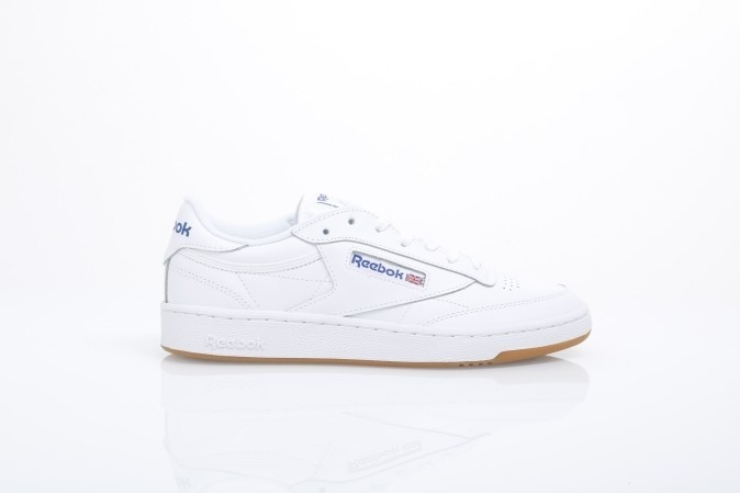 Foto van Reebok AR0459 Sneakers Club c 85 Wit