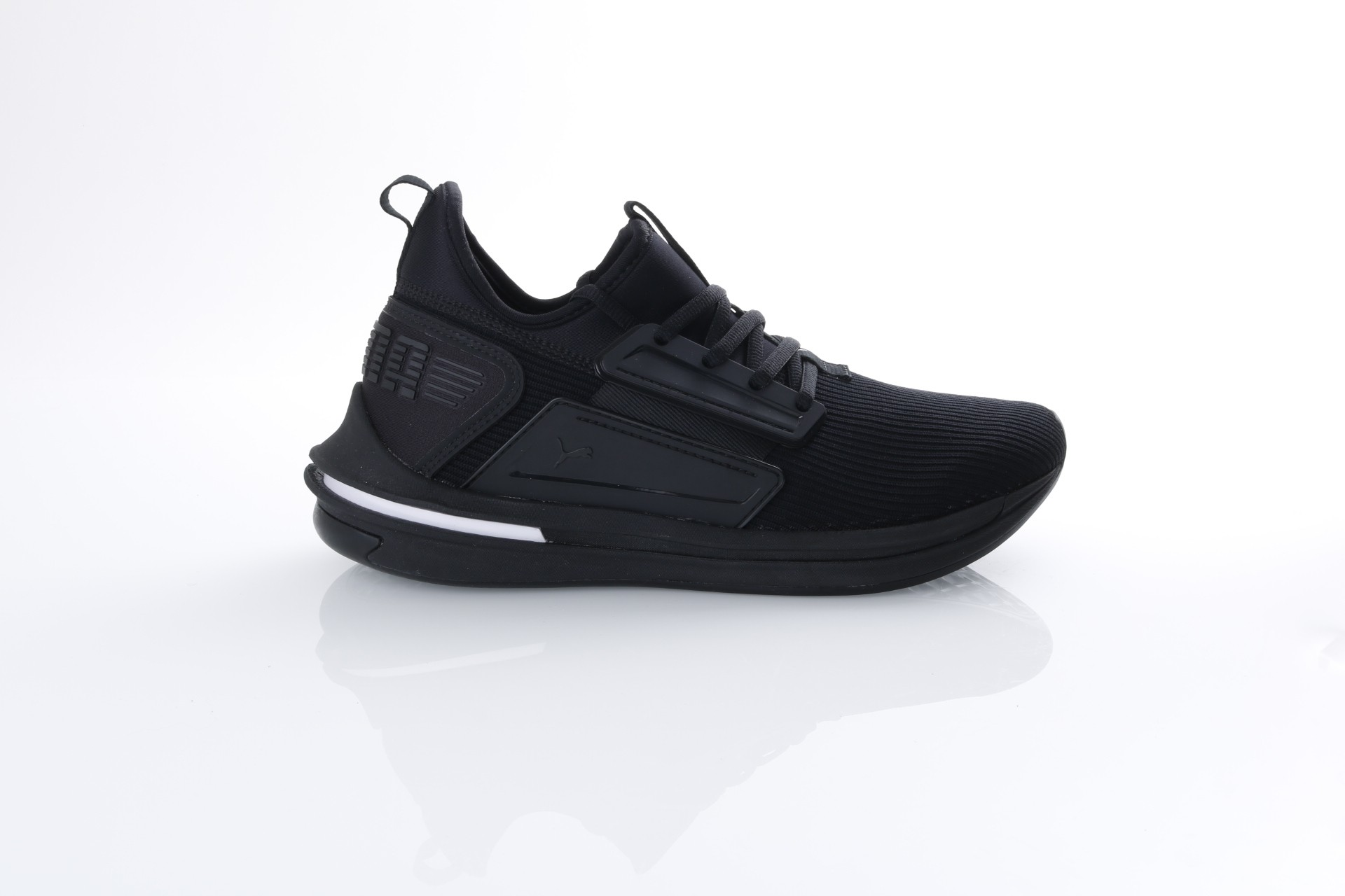 Foto van Puma 190482-01 Sneakers Ignite limitless sr Zwart